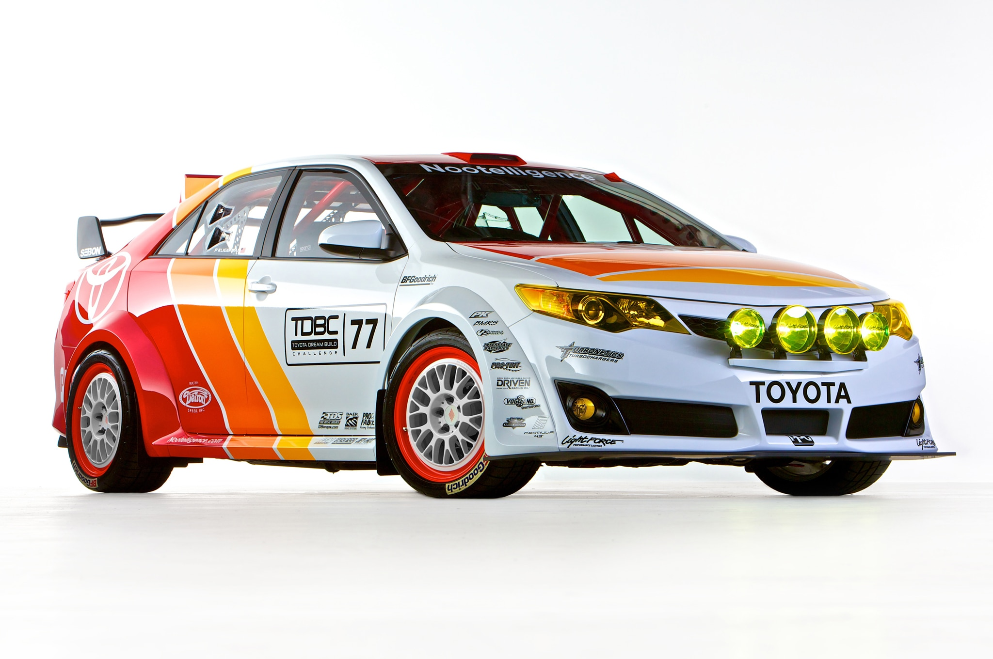 Toyota CamRally Front Three Quarter1