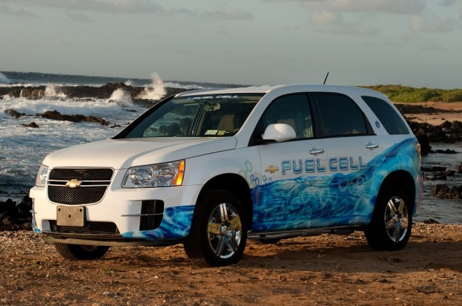 Chevrolet Equinox Fuel Cell Front Three Quarters1 660x438