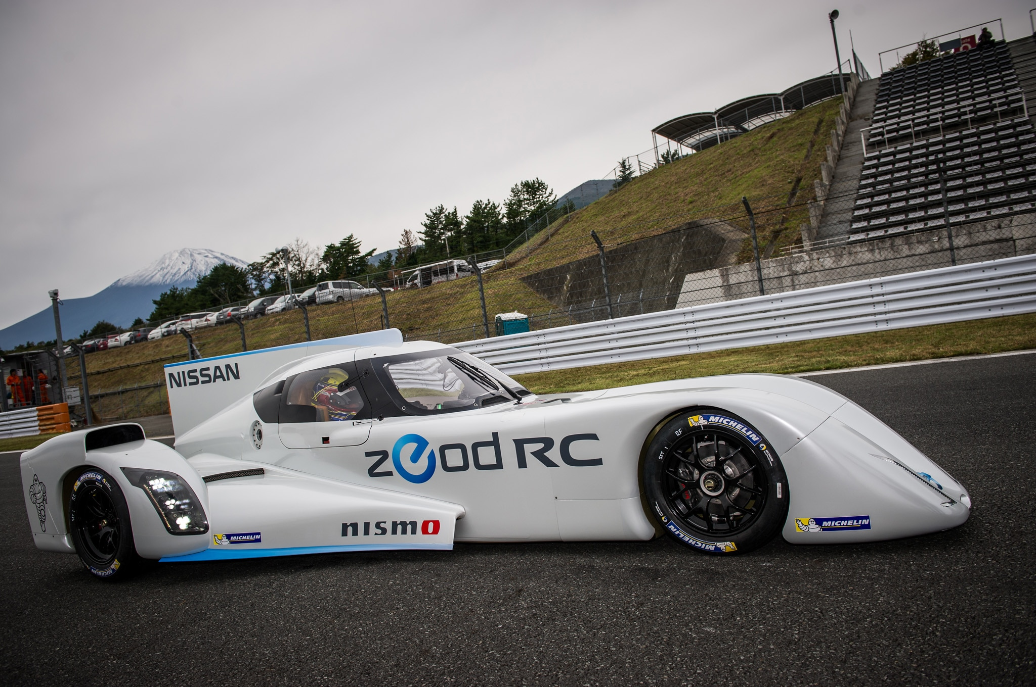Nissan Zeod Rc Right Profile1