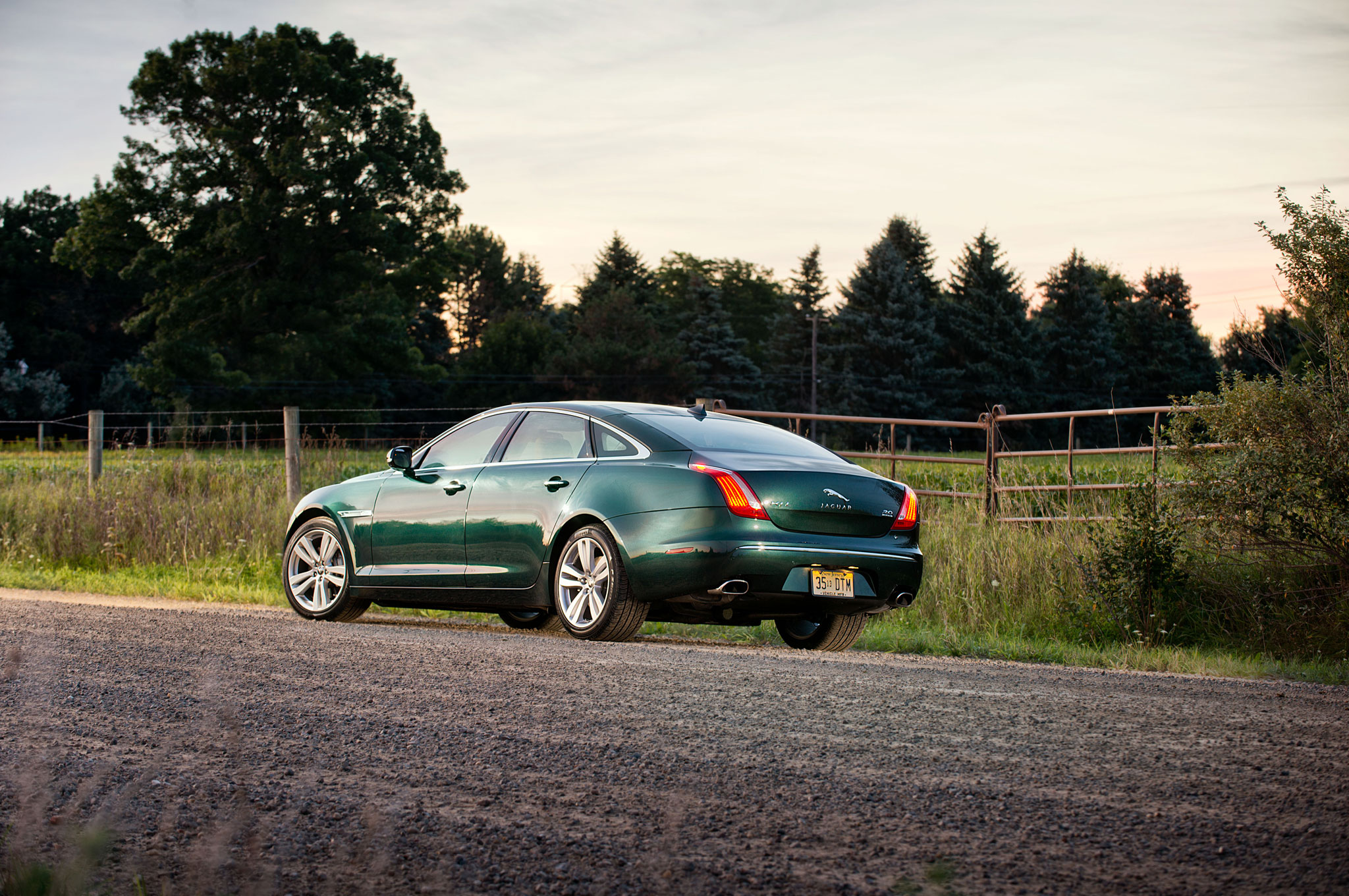 2013 Jaguar Xjl Portfolio Awd High Style In The Backseat