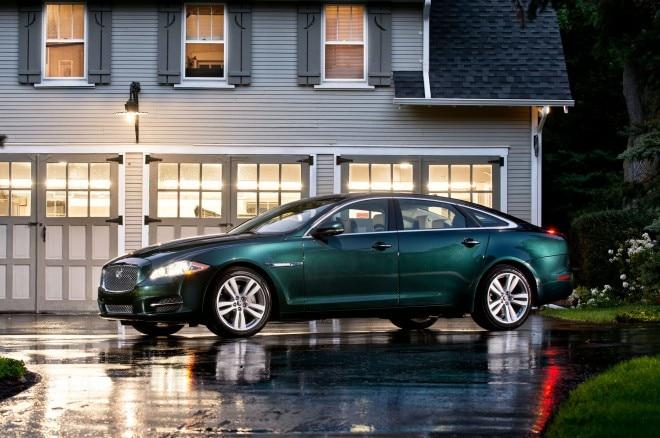 2013 Jaguar XJL Profile View Night1 660x438