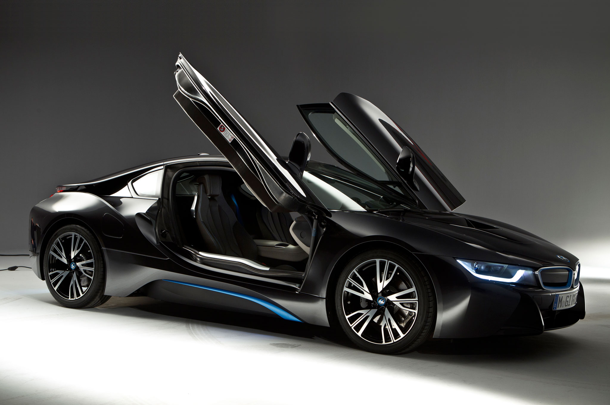2014 BMW I8 Right Side View Doors Open1