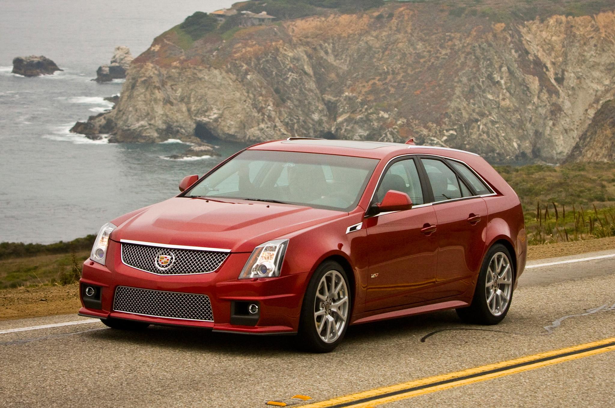 2014 Cadillac CTS V Sport Wagon Front Three Quarter1
