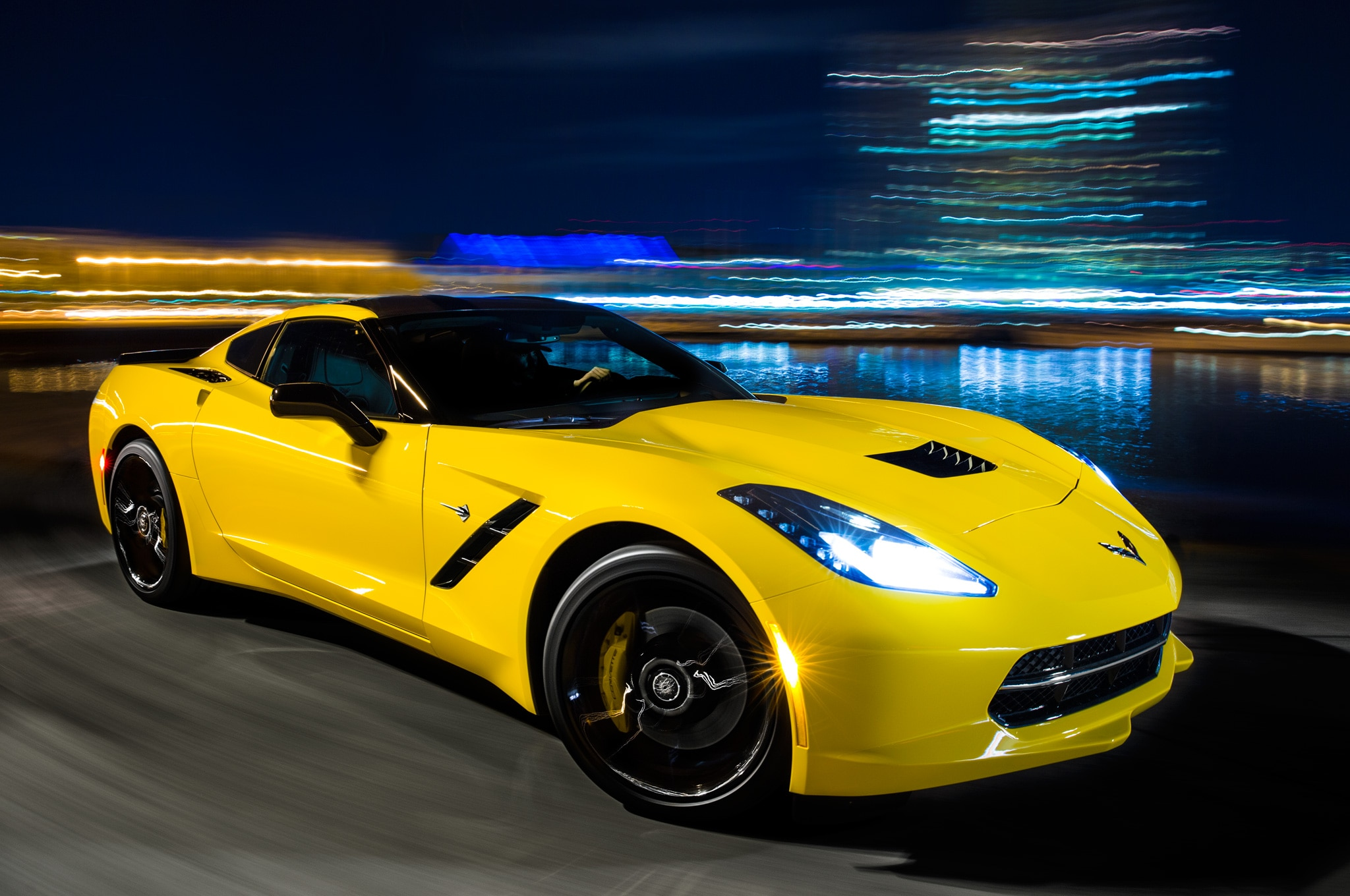 2014 chevrolet corvette stingray front right side view 2