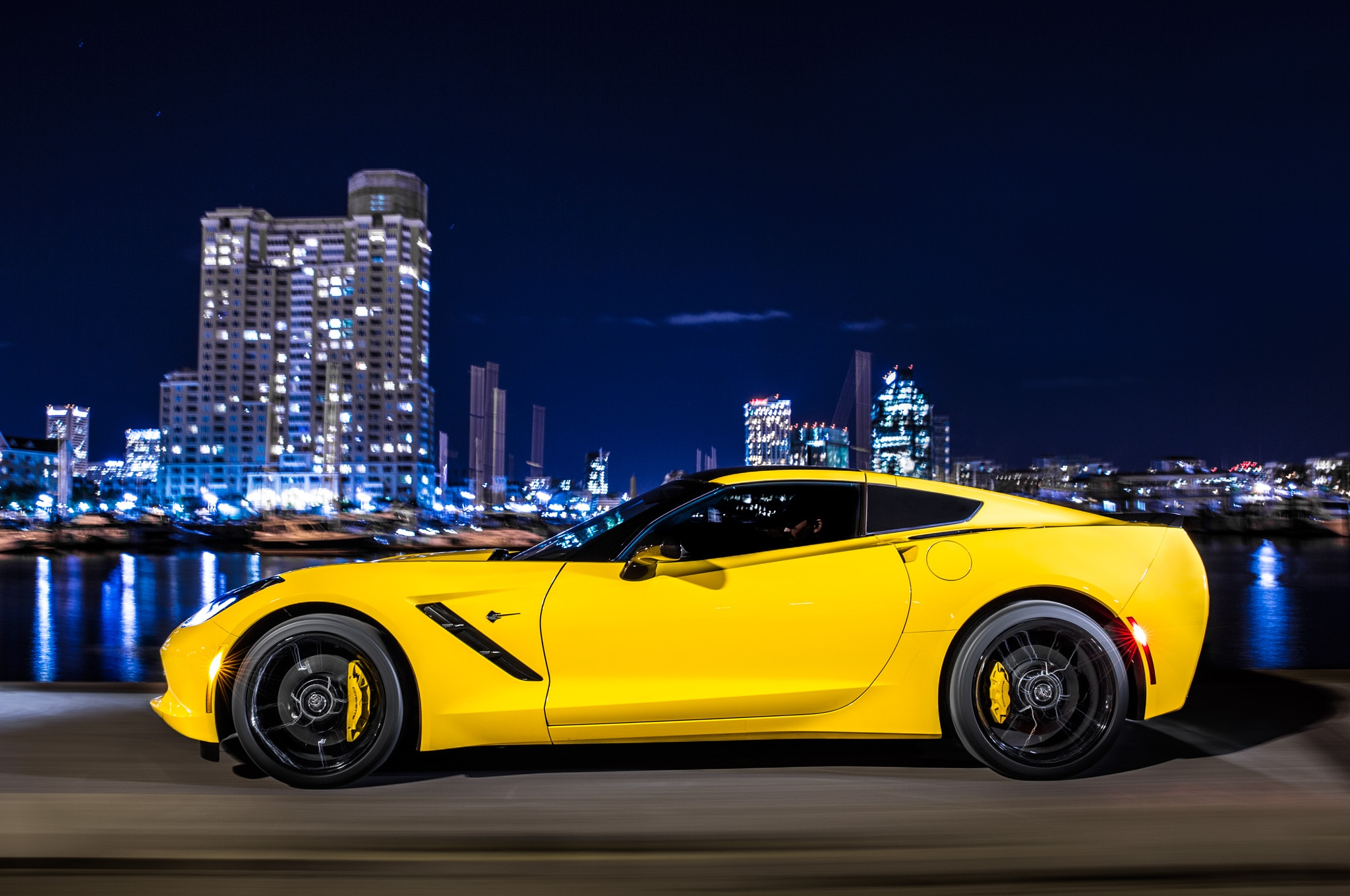 2014 Chevrolet Corvette Stingray Left Side View1