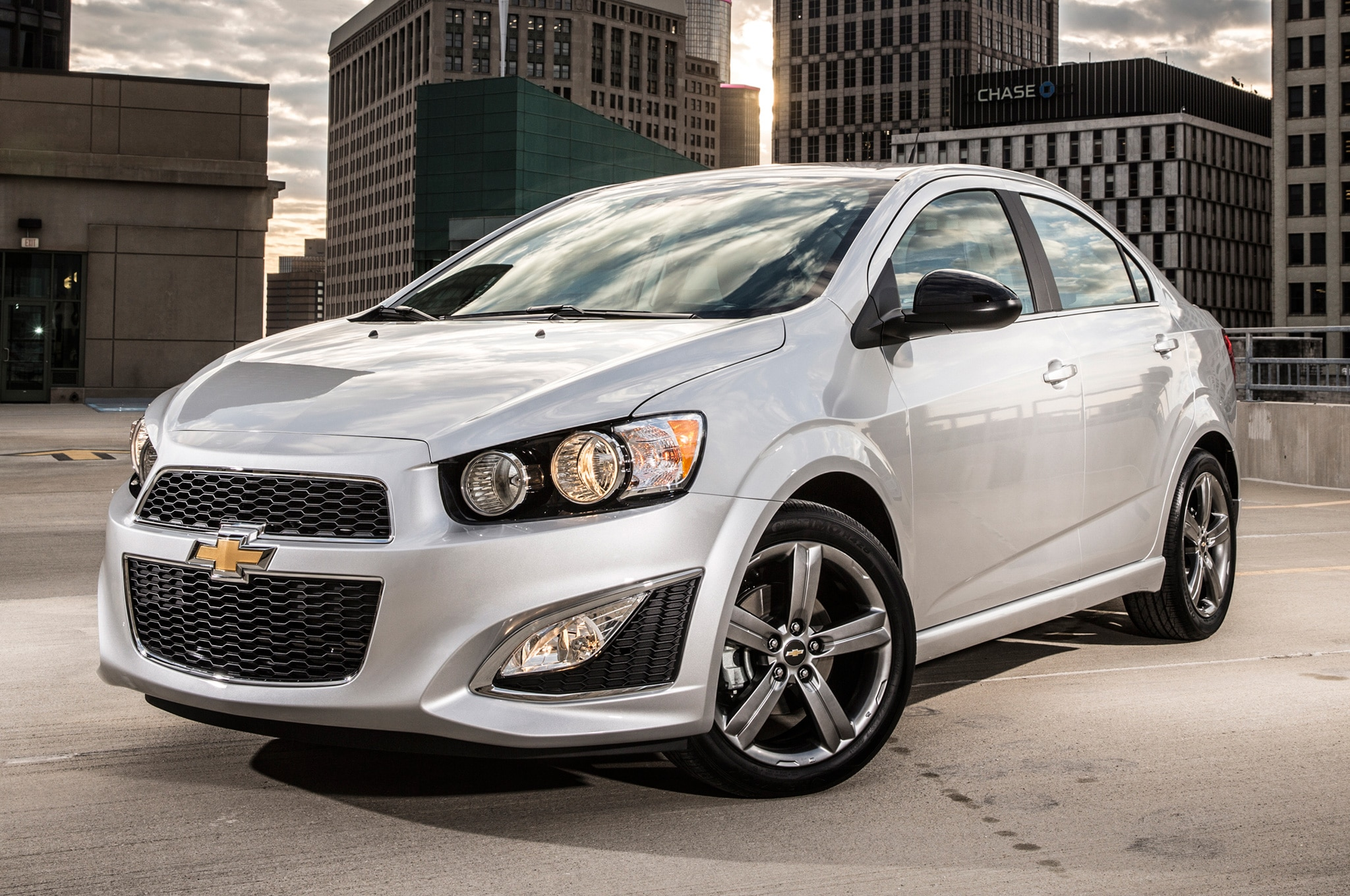 2014 chevrolet sonic dusk rs sedan added to lineup automobile magazine. Black Bedroom Furniture Sets. Home Design Ideas