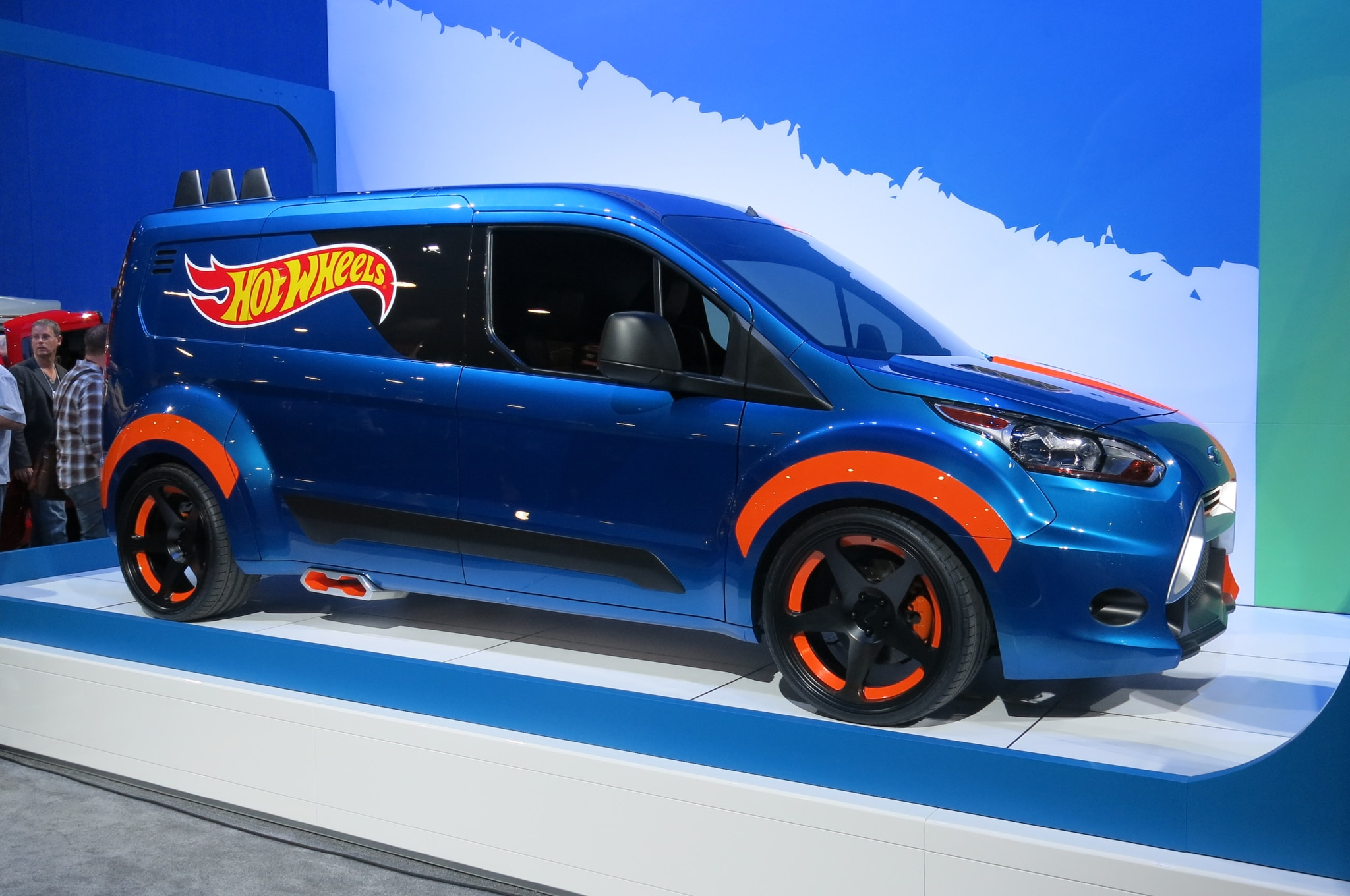 2014 Ford Transit Connect Hot Wheels Edition Front Three Quarter1