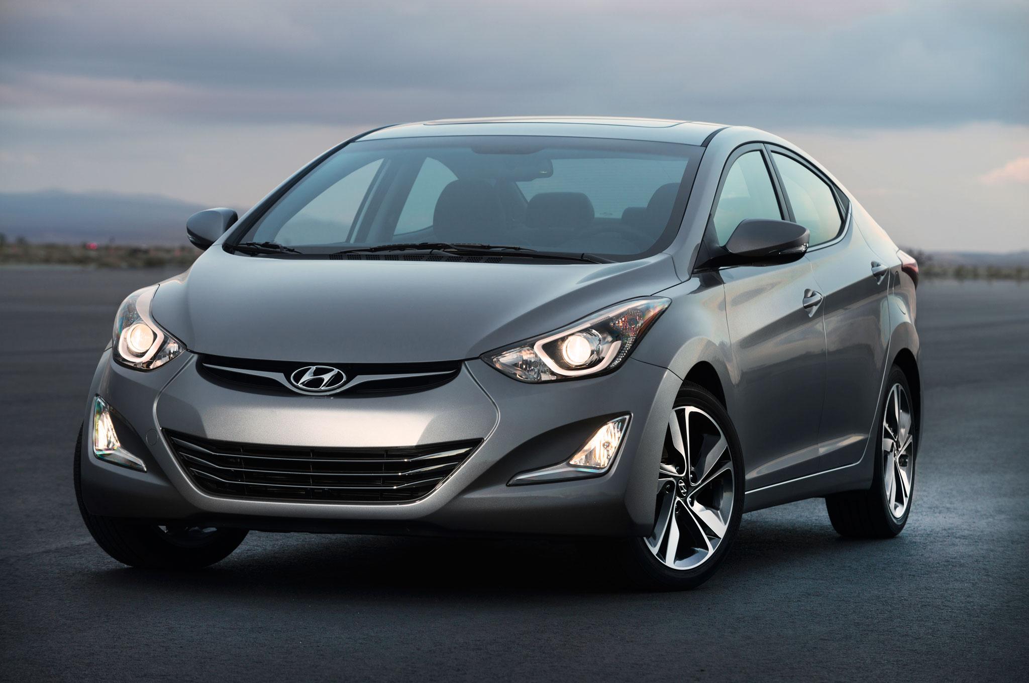 2014 Hyundai Elantra Front Left View1