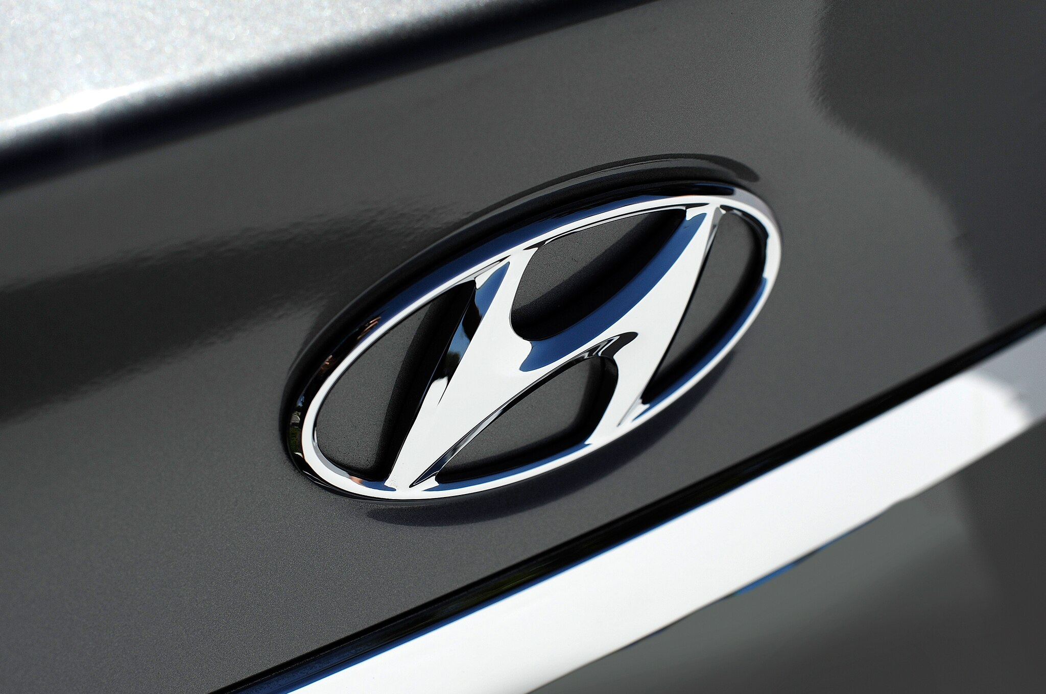 2014 Hyundai Sonata Badge