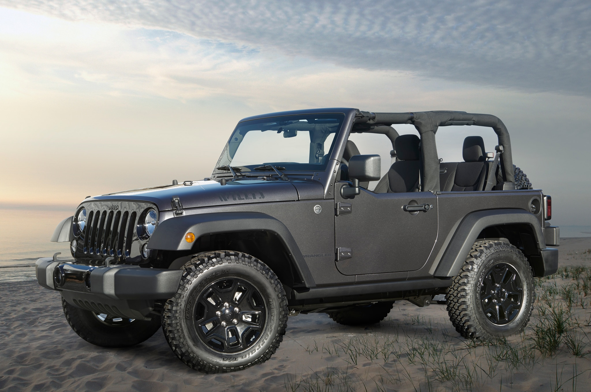 2014 Jeep Wrangler Willys Wheeler Edition Front Three Quarter1