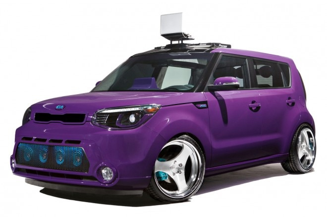 2014 Kia Soul 2013 SEMA DJ Booth Concept Front Three Quarters View1 660x438
