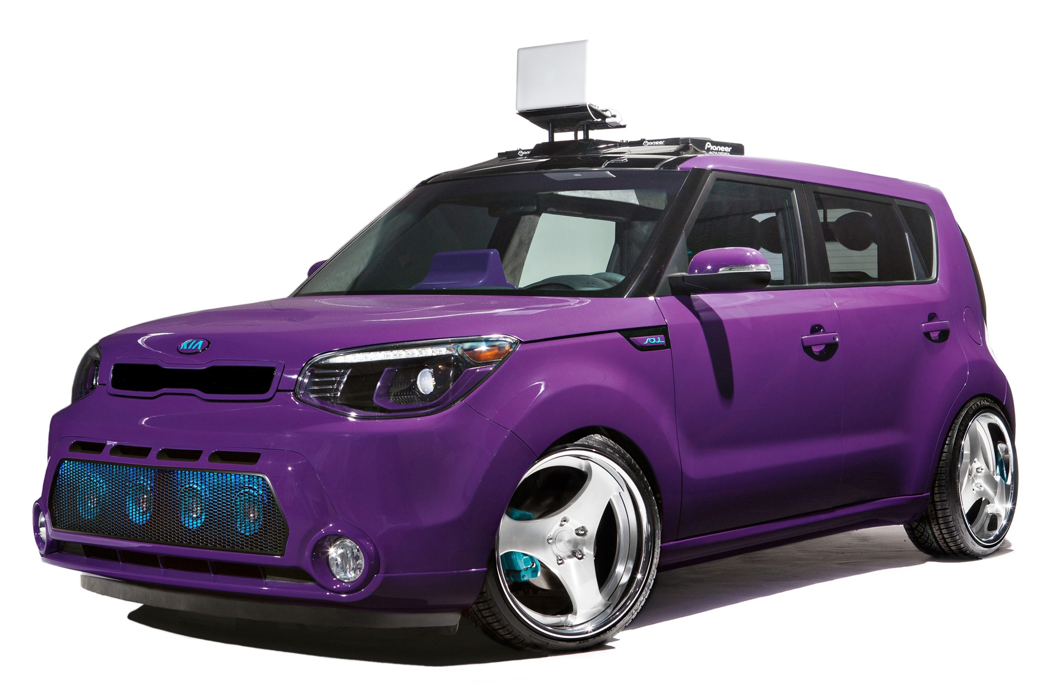 2014 Kia Soul 2013 SEMA DJ Booth Concept Front Three Quarters View1