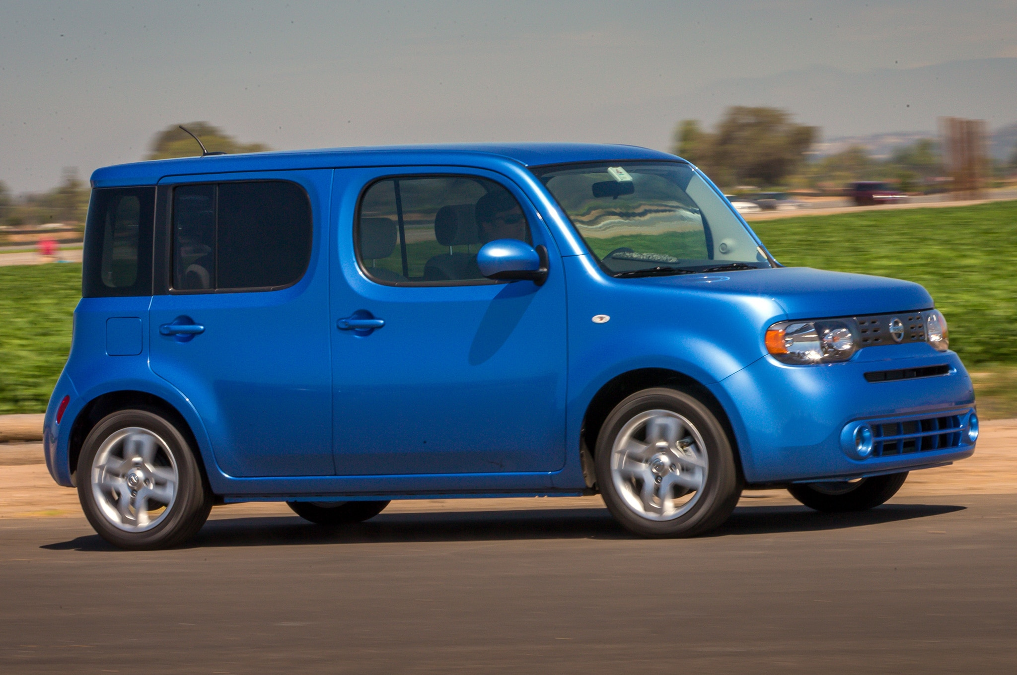 2014 nissan cube base price rises 20 to 17 570. Black Bedroom Furniture Sets. Home Design Ideas