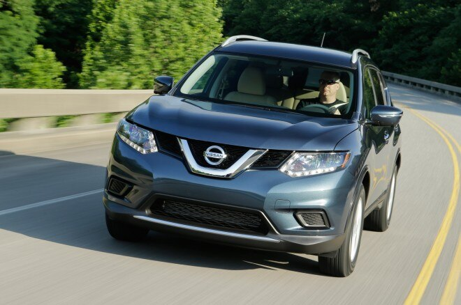 2014 Nissan Rogue Three Quarters In Motion Front View 660x438