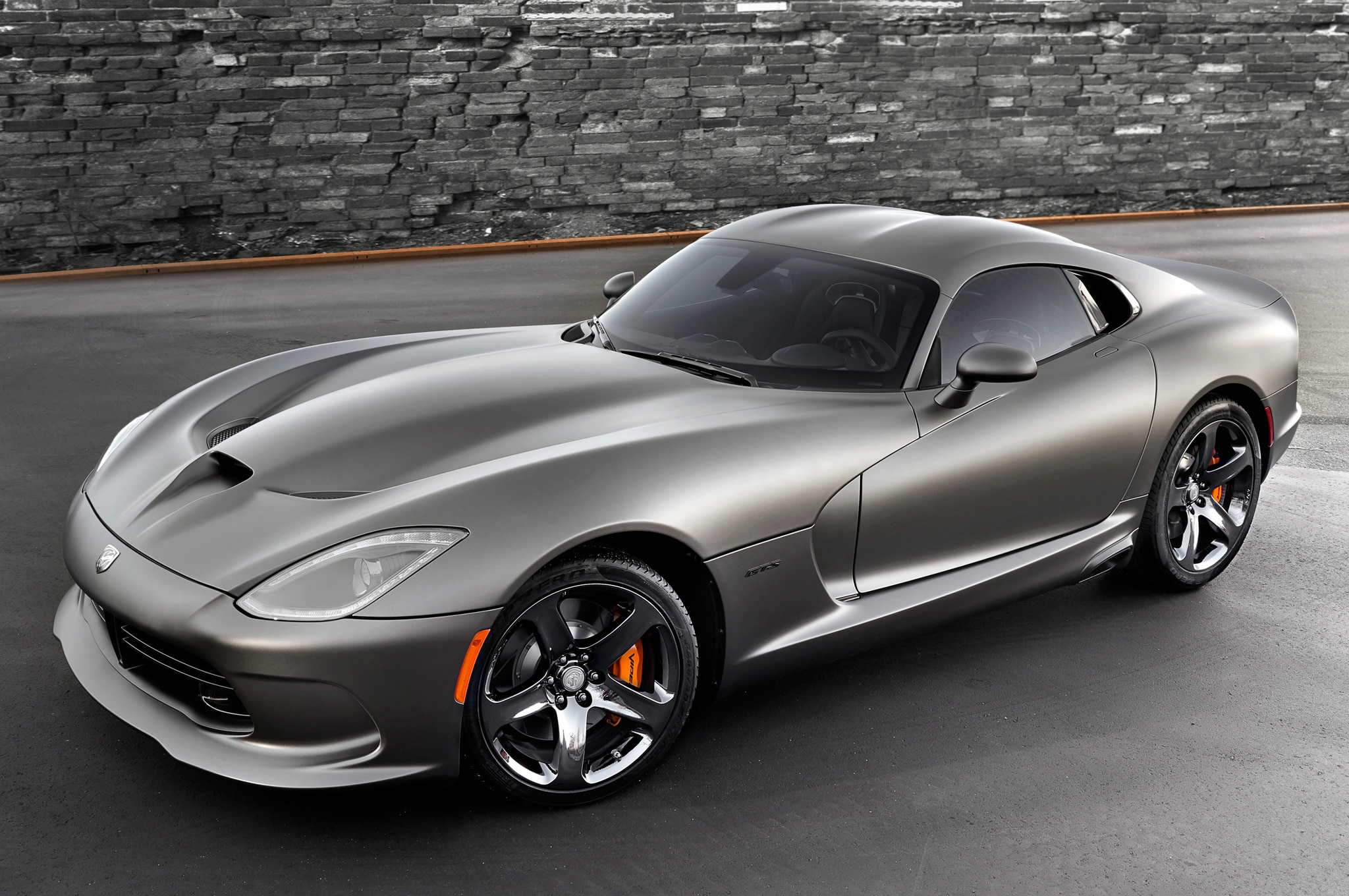 2014 SRT Viper GTS Anodized Carbon Front Side View1