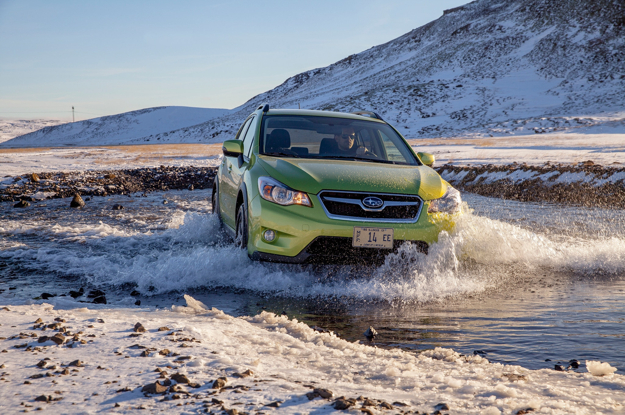 2014 Subaru XV Crosstrek Hybrid Green Front End In Stream1