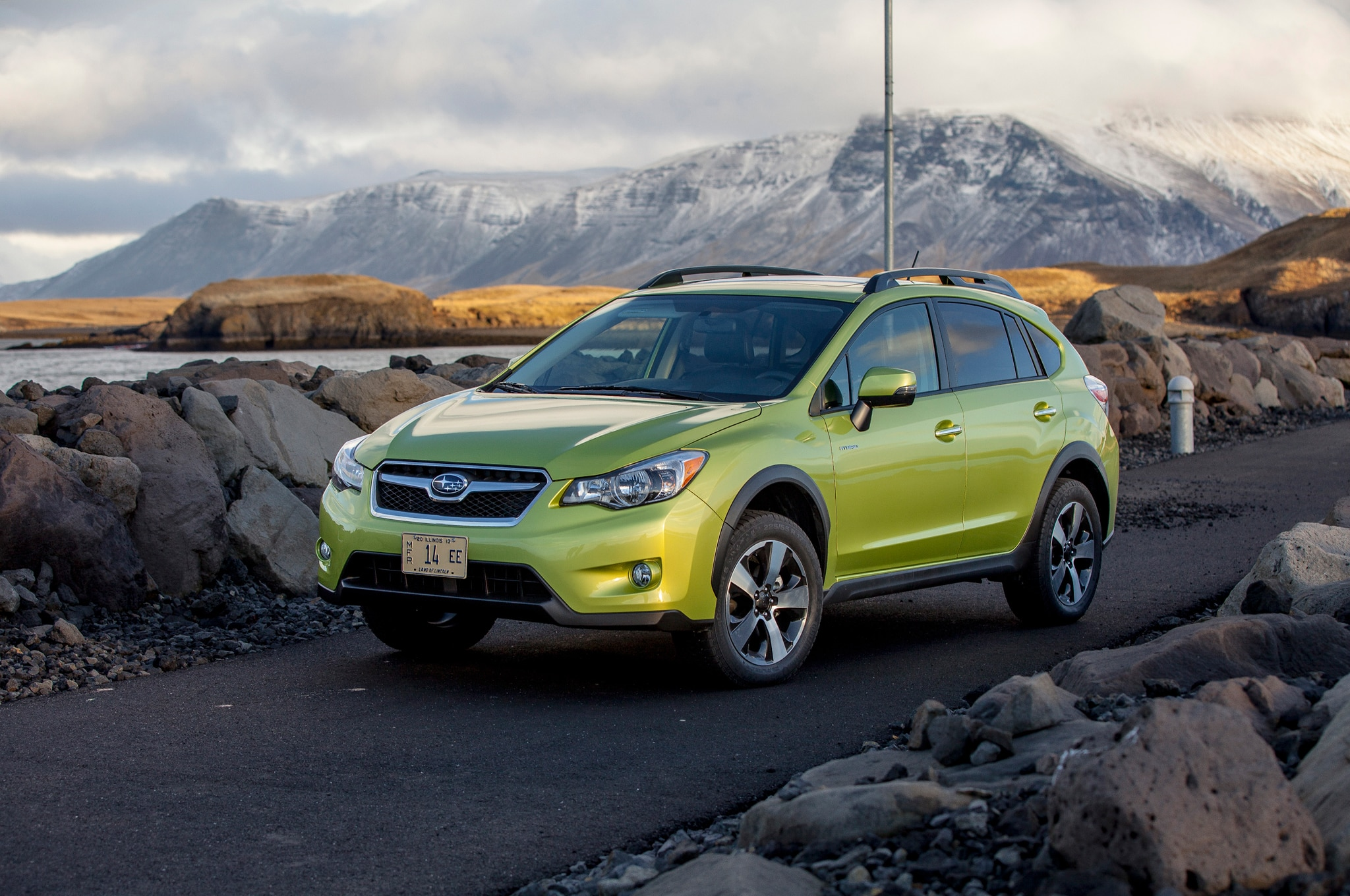 2014 subaru xv crosstrek hybrid review automobile magazine. Black Bedroom Furniture Sets. Home Design Ideas