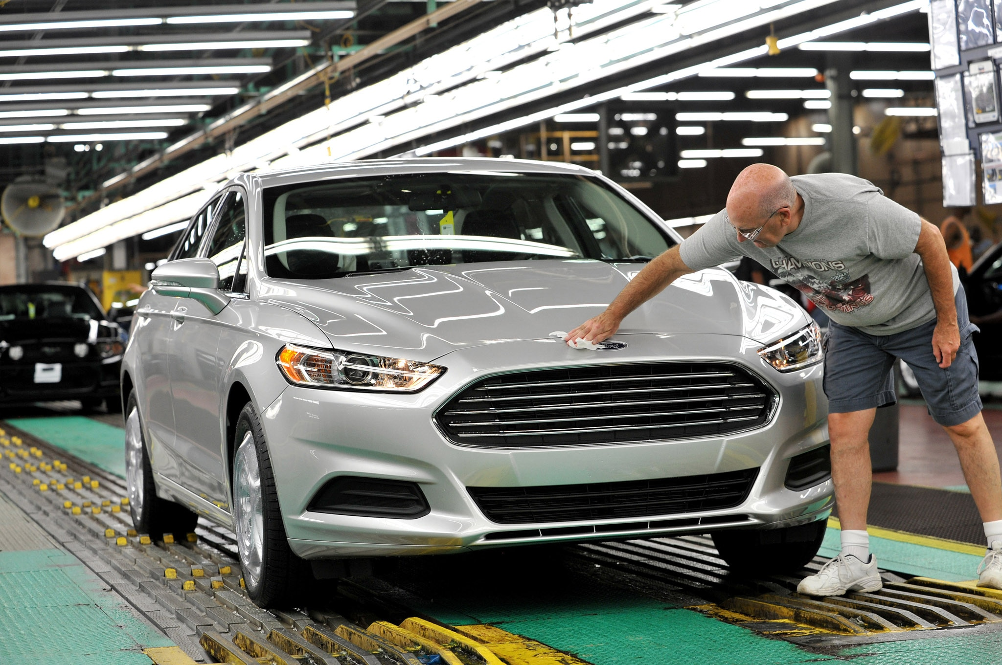 2014 Ford Fusion At Flat Rock Front 21