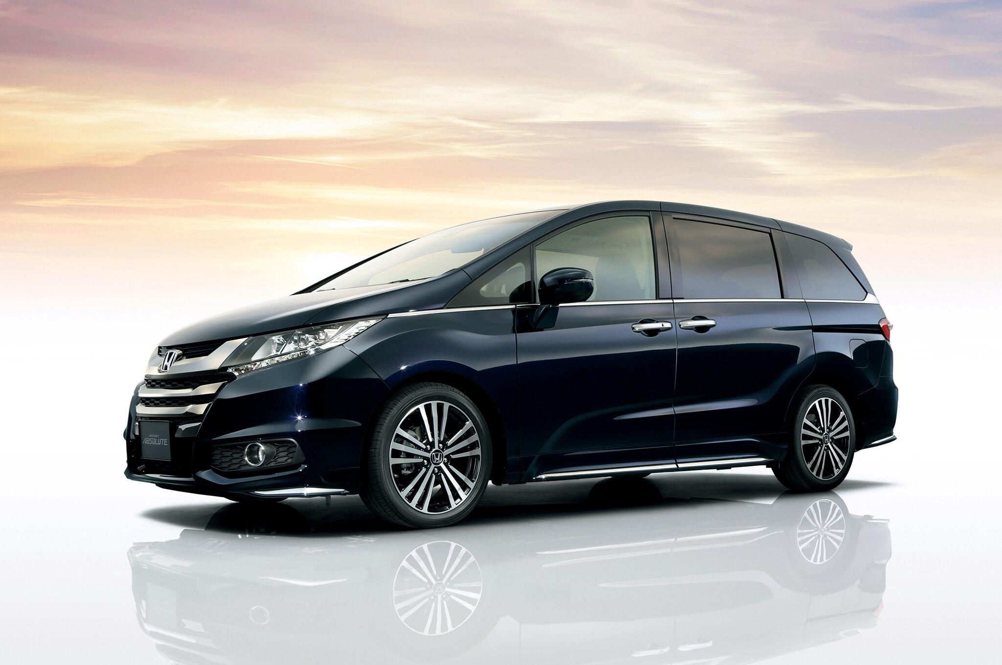 2014 Honda Odyssey Absolute Jdm Profile1