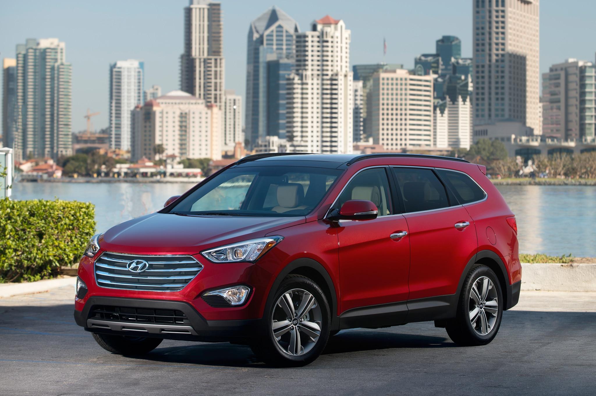 2014 Hyundai Santa Fe Front1