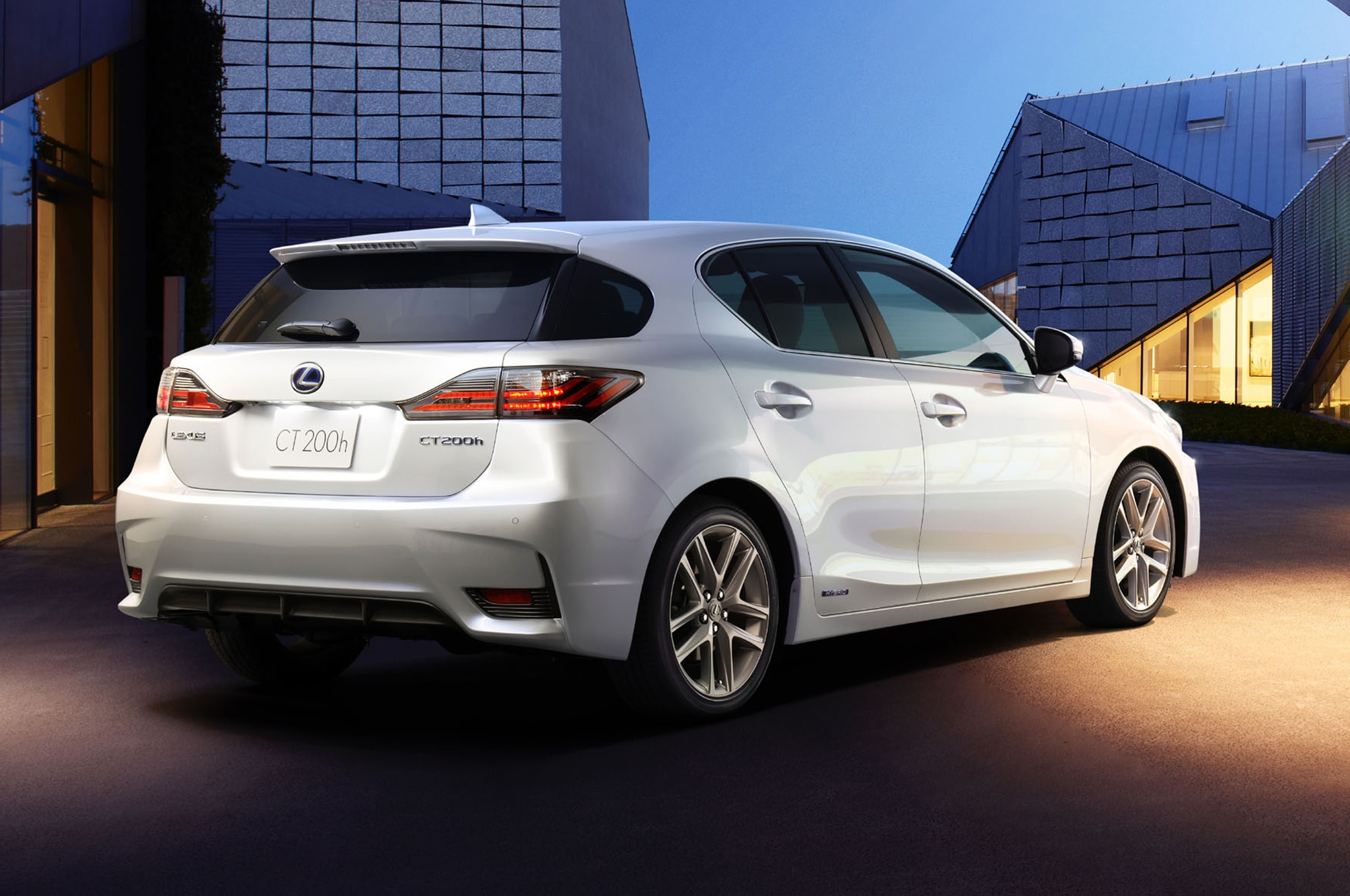 2014 lexus ct200h to debut in china. Black Bedroom Furniture Sets. Home Design Ideas