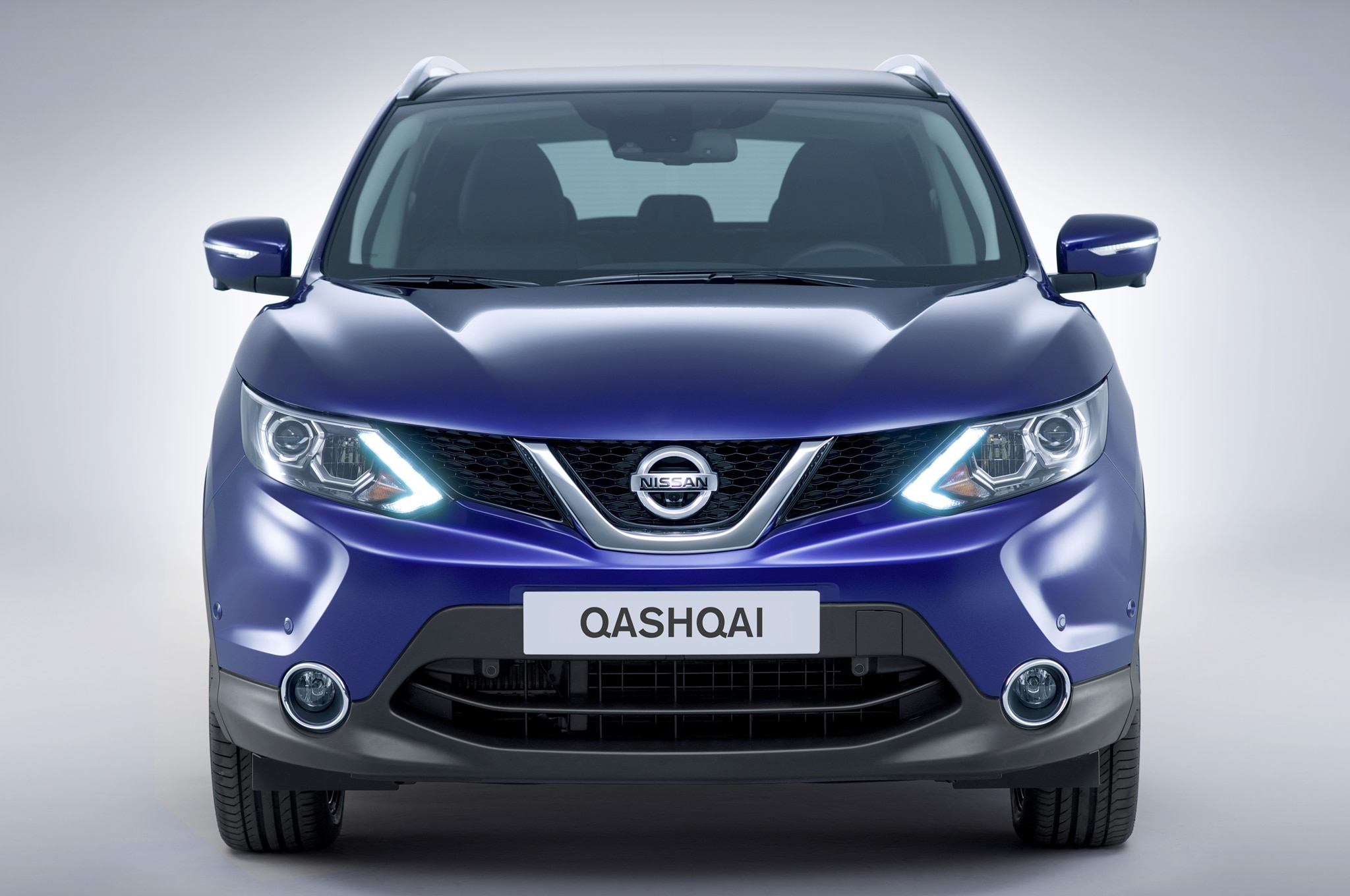 2014 nissan qashqai revealed for european market. Black Bedroom Furniture Sets. Home Design Ideas