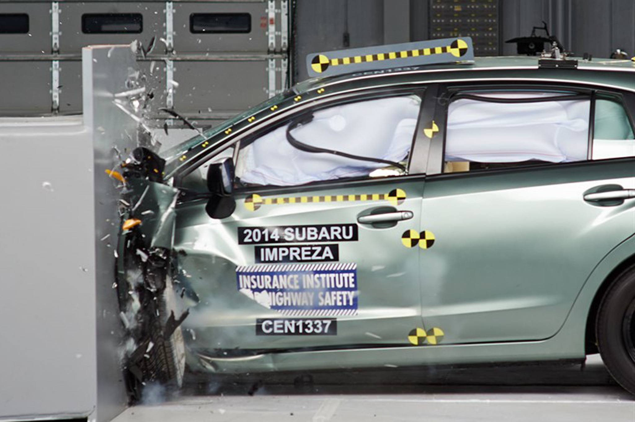 2014 Subaru Impreza Crash Test 21