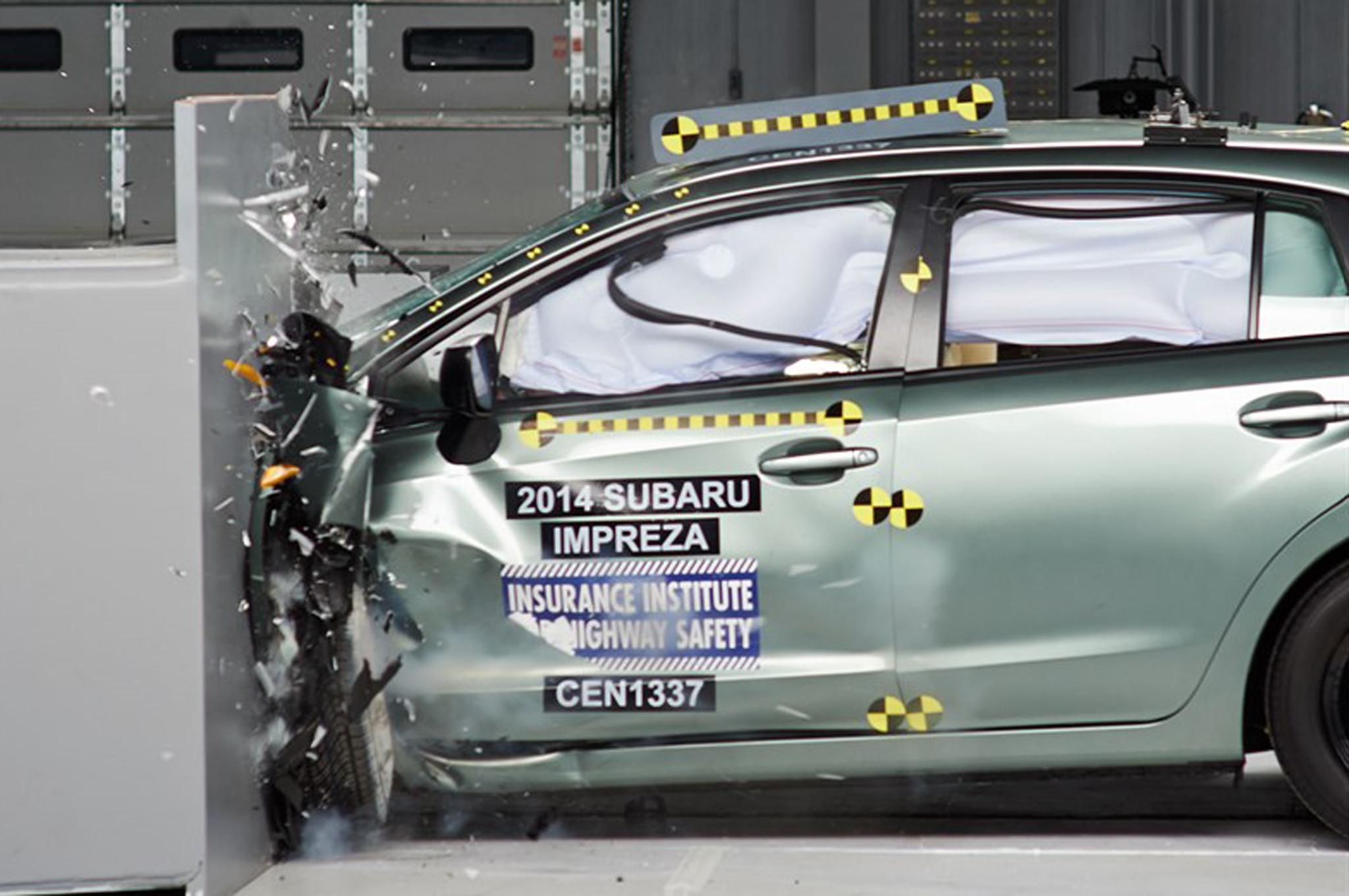 2014 Subaru Impreza Crash Test 21