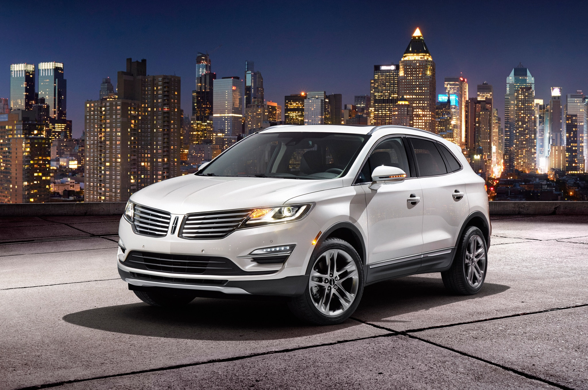 2015 Lincoln MKC Front Three Quarters 021