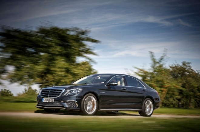 2015 Mercedes Benz S65 AMG Front Three Quarters In Motion1 660x438