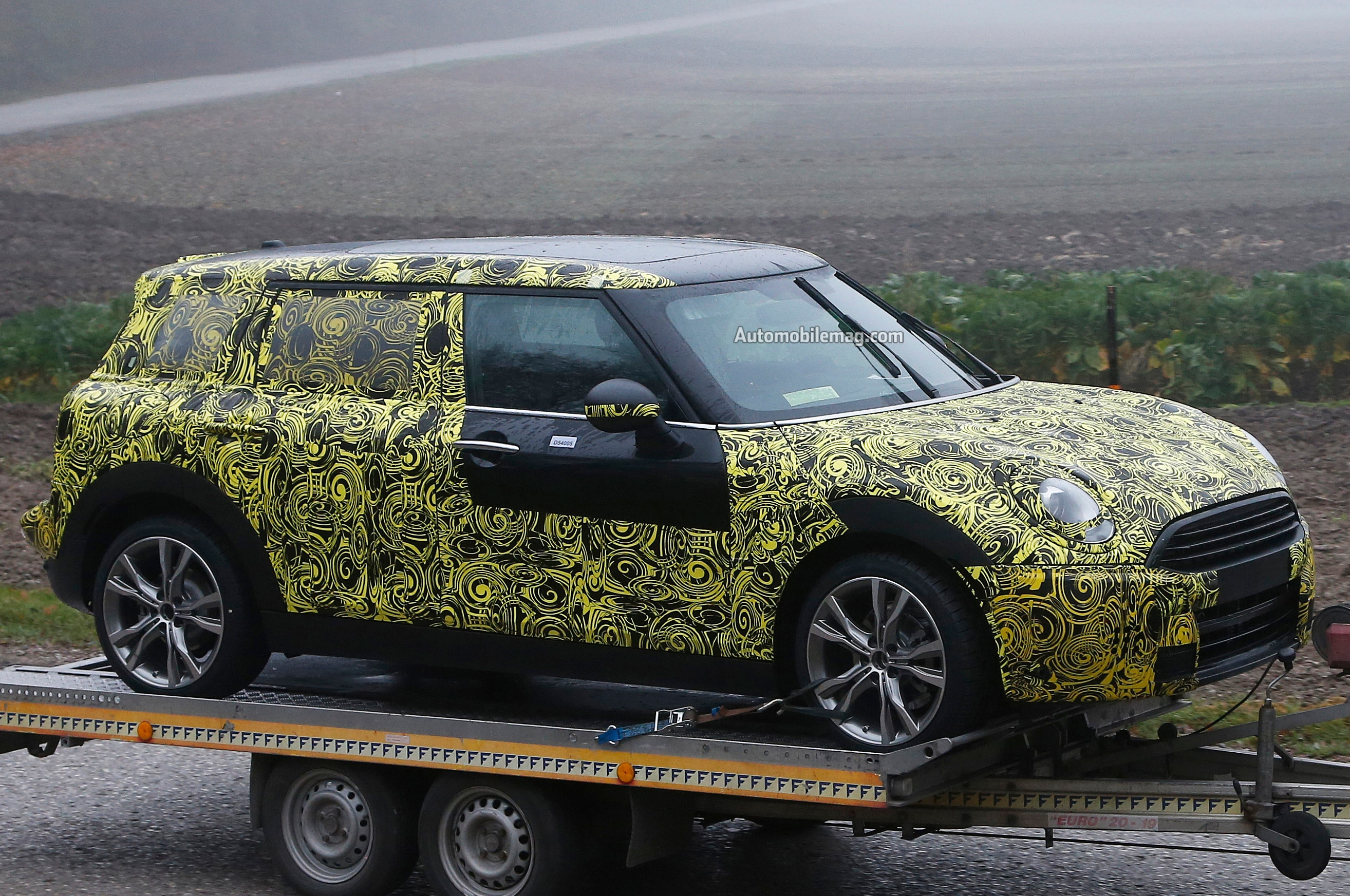 2015 mini cooper clubman spied. Black Bedroom Furniture Sets. Home Design Ideas