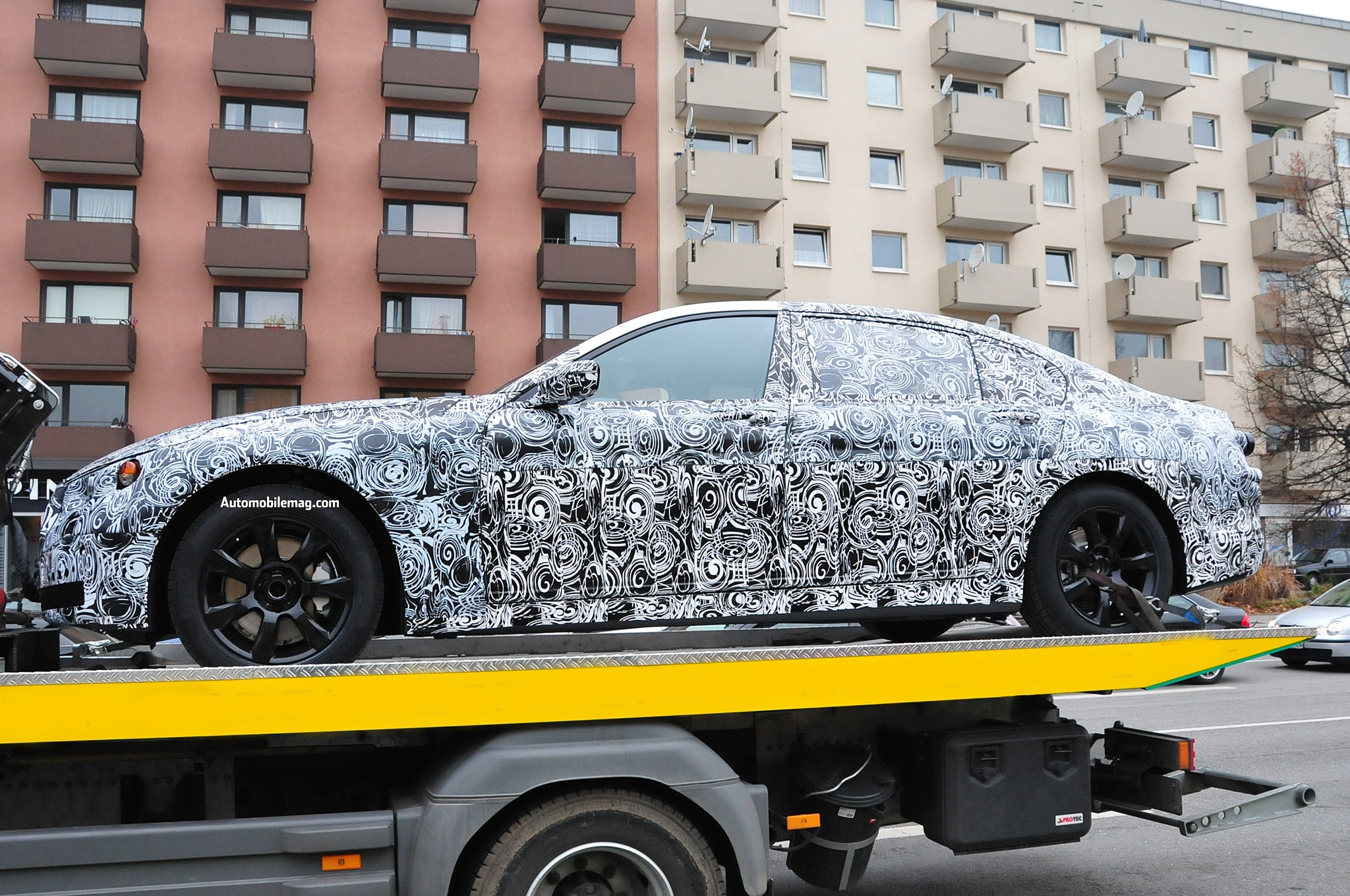 2016 BMW 5 Series Sedan Spied Profile1