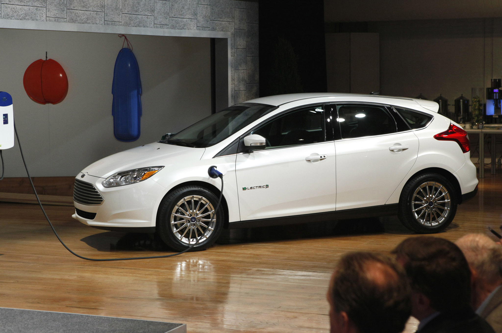 2012 2014 ford focus electric recalled. Black Bedroom Furniture Sets. Home Design Ideas