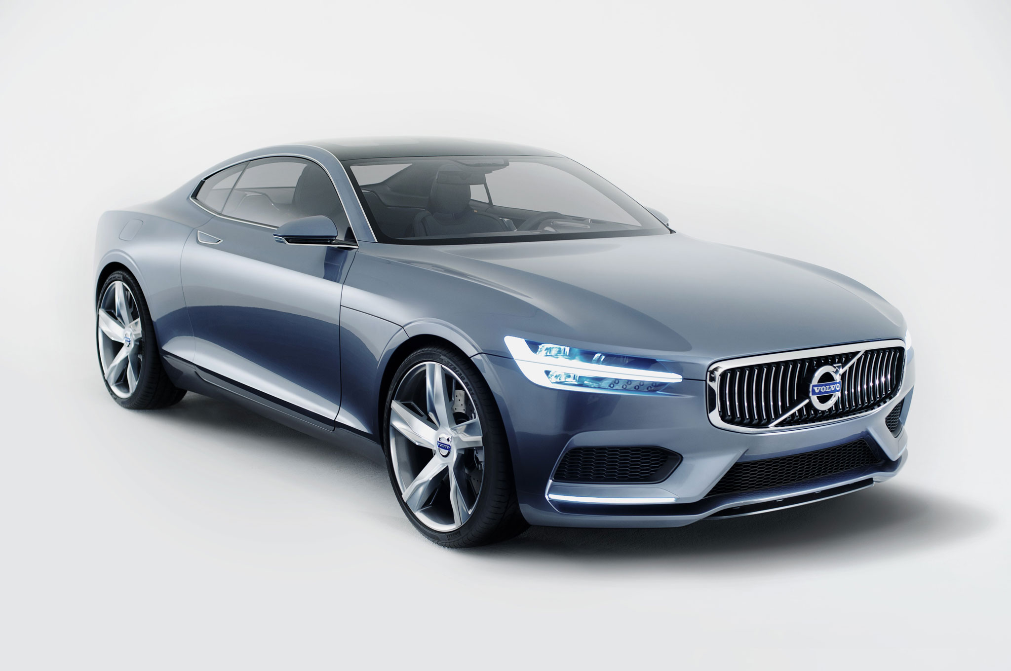 Volvo Concept Coupe Front Right Side View