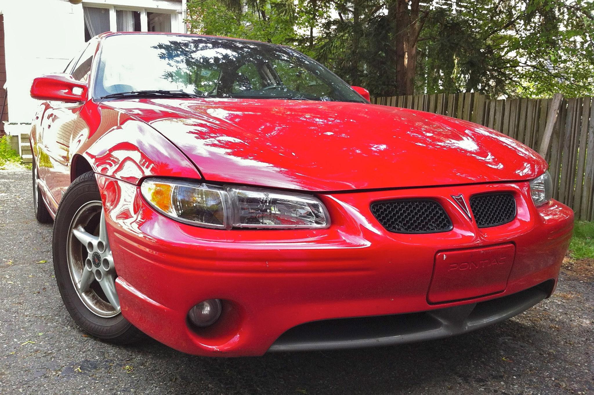 2000 Pontiac Grand Prix Front