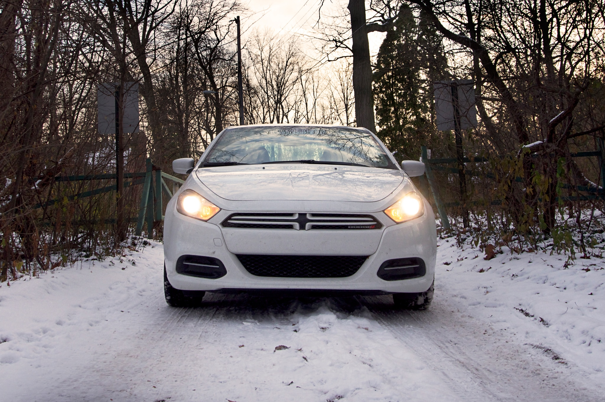 2013 Dodge Dart Sxt Front Snow1