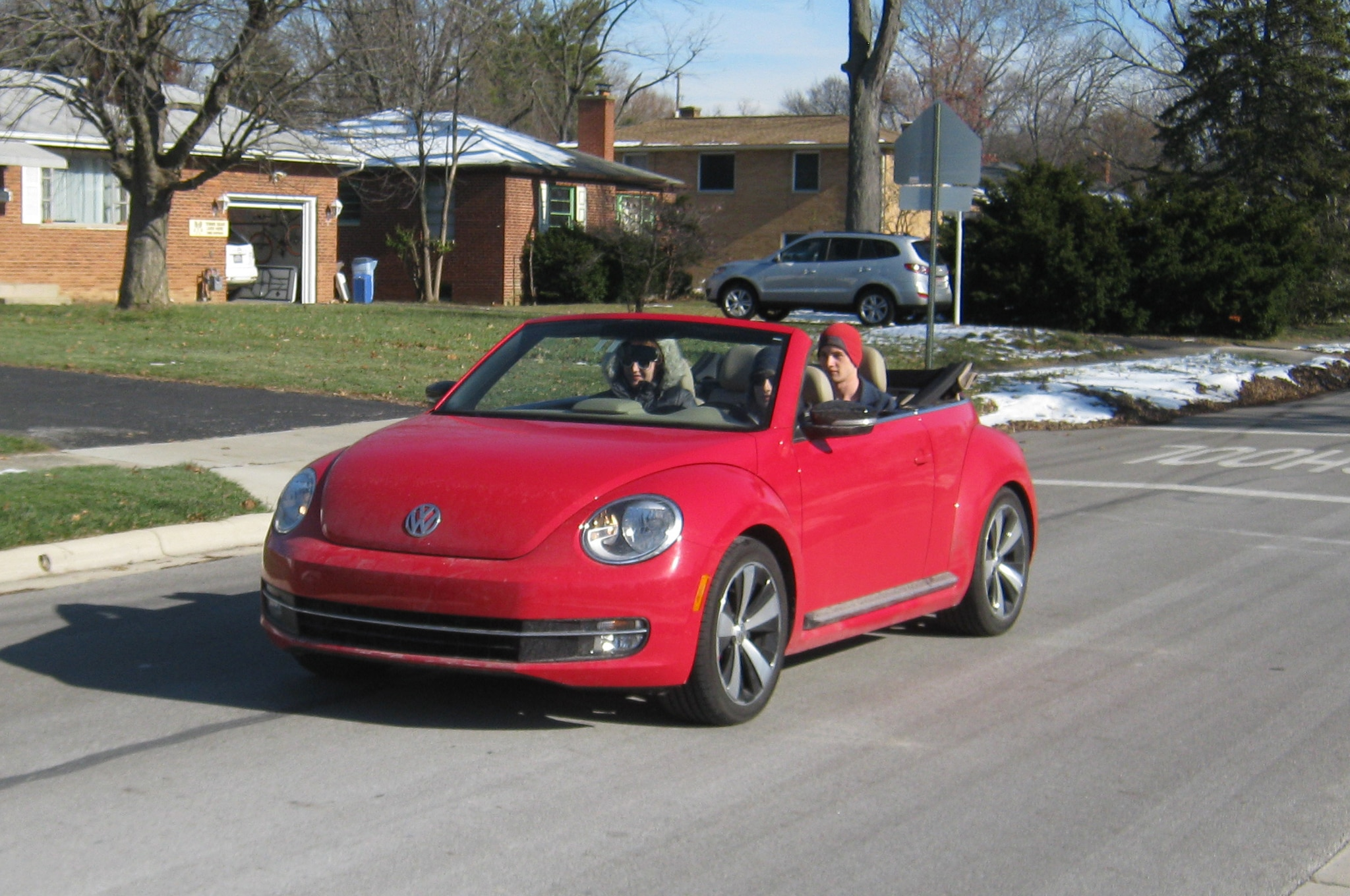 2013 volkswagen beetle turbo convertible four seasons. Black Bedroom Furniture Sets. Home Design Ideas