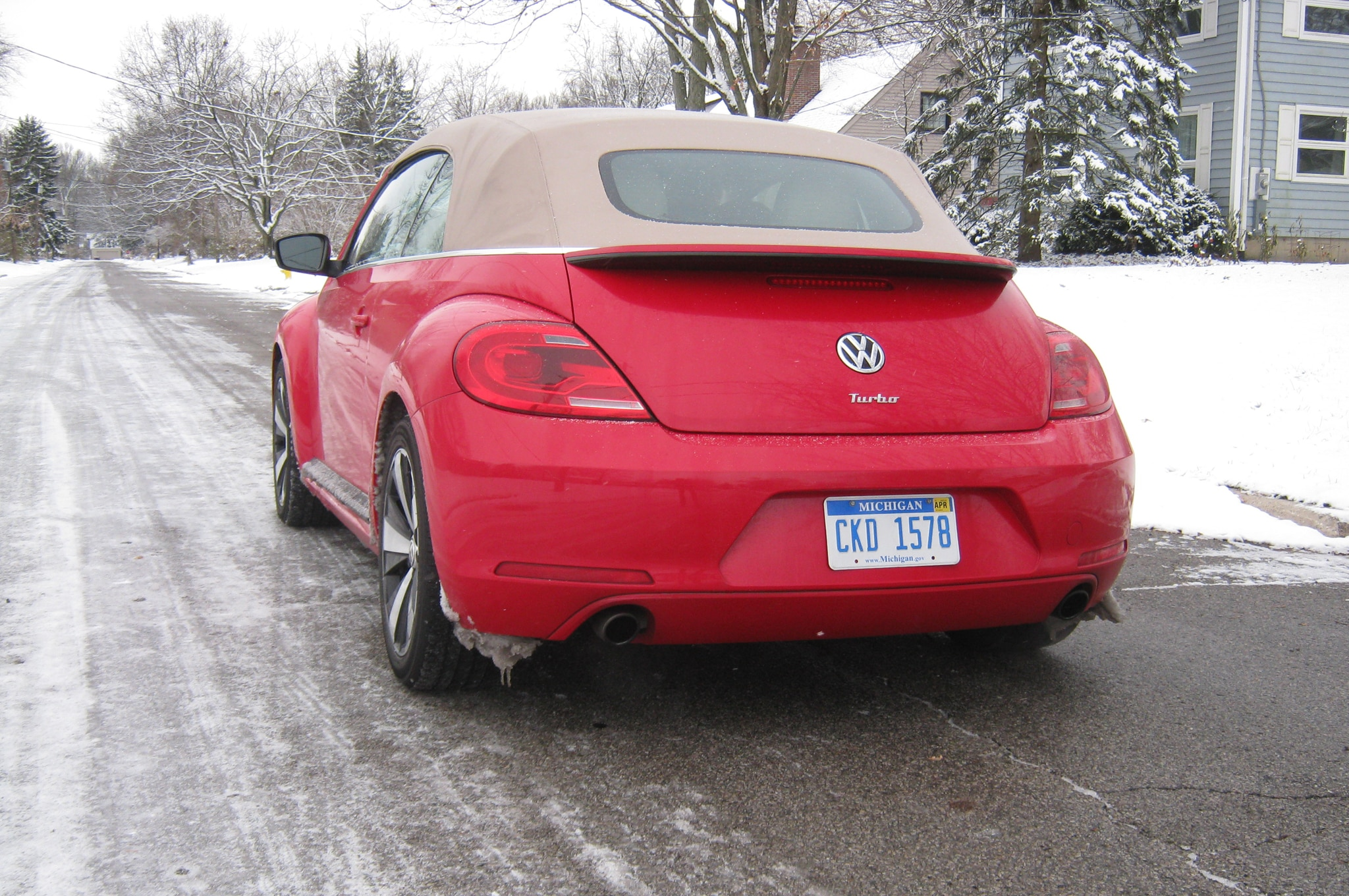2013 Volkswagen Beetle Turbo Convertible Rear View Snow1