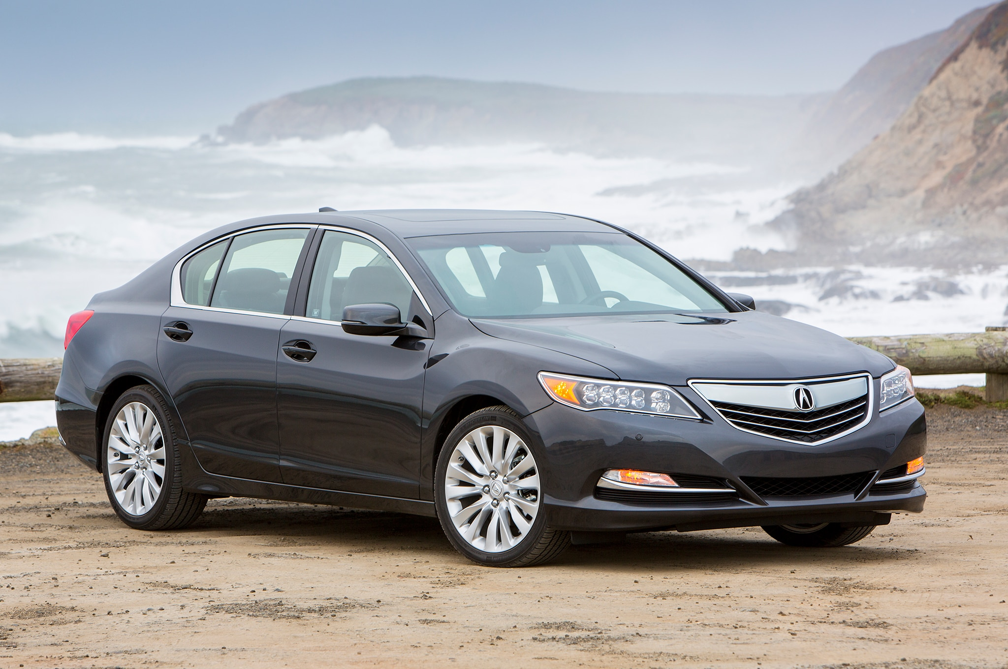 2014 Acura RLX Front Three Quarters View 0021