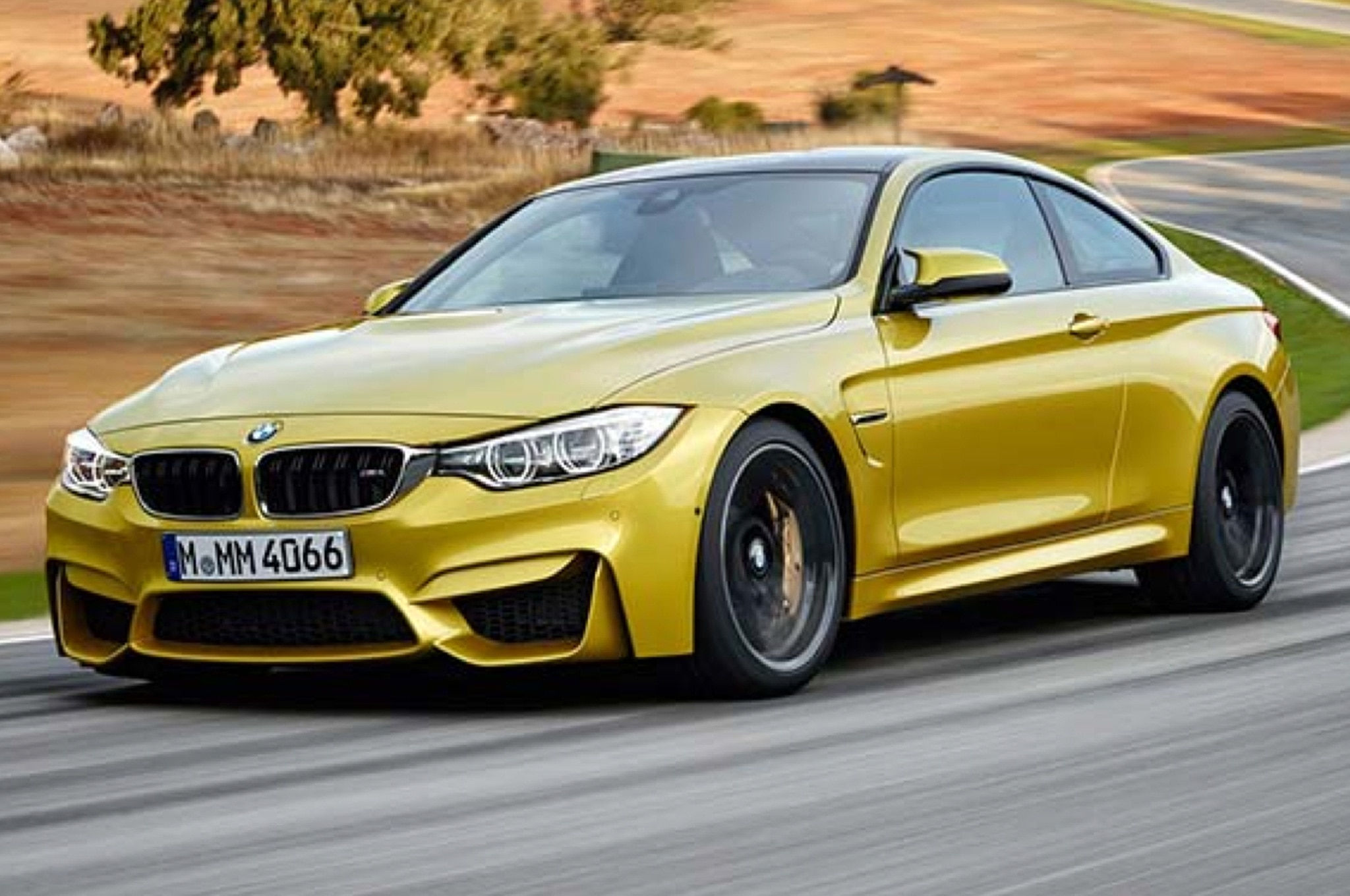 2014 BMW M4 Coupe Front Three Quarters View1