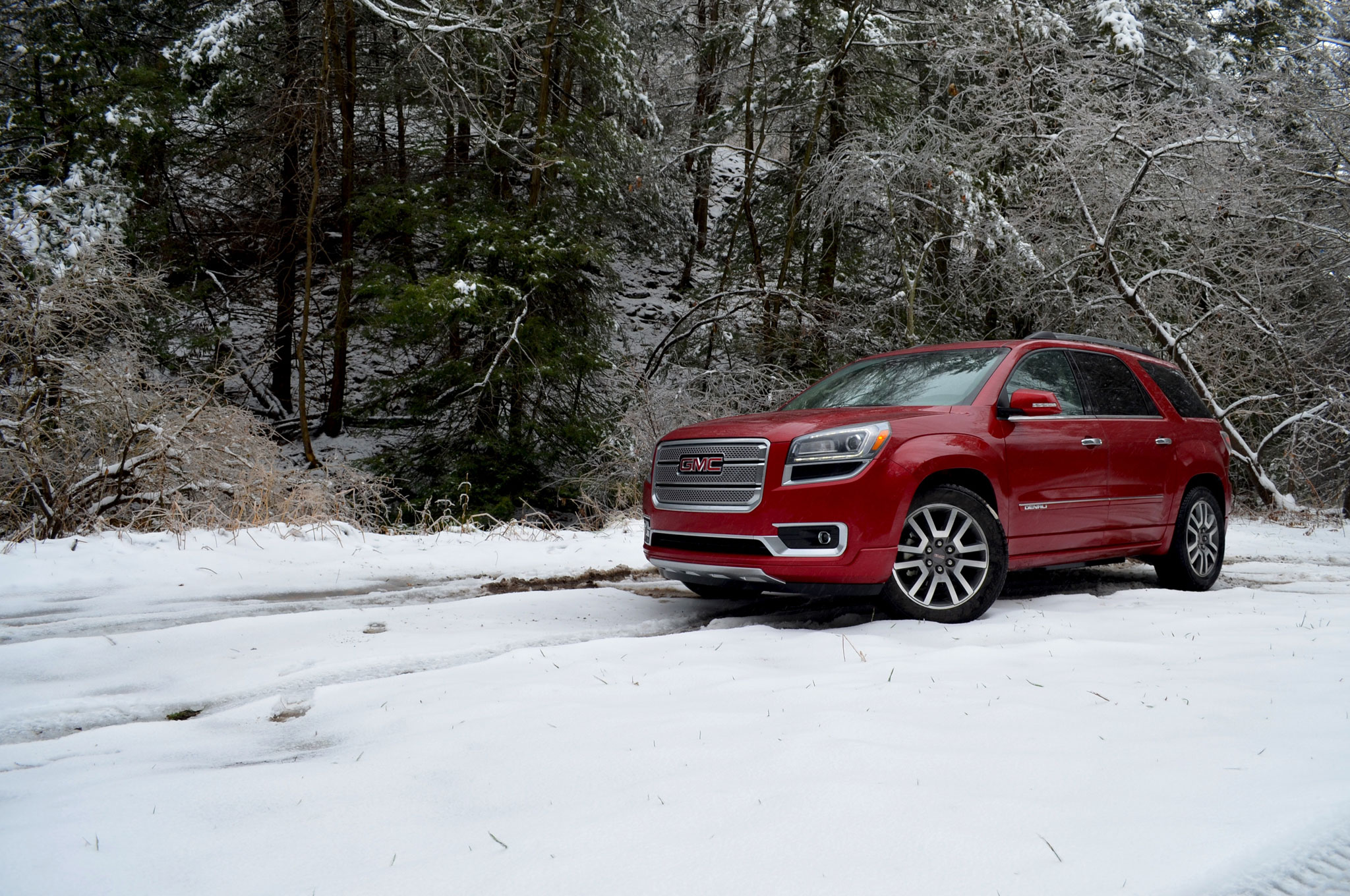2014 GMC Acadia Front Left Side View1