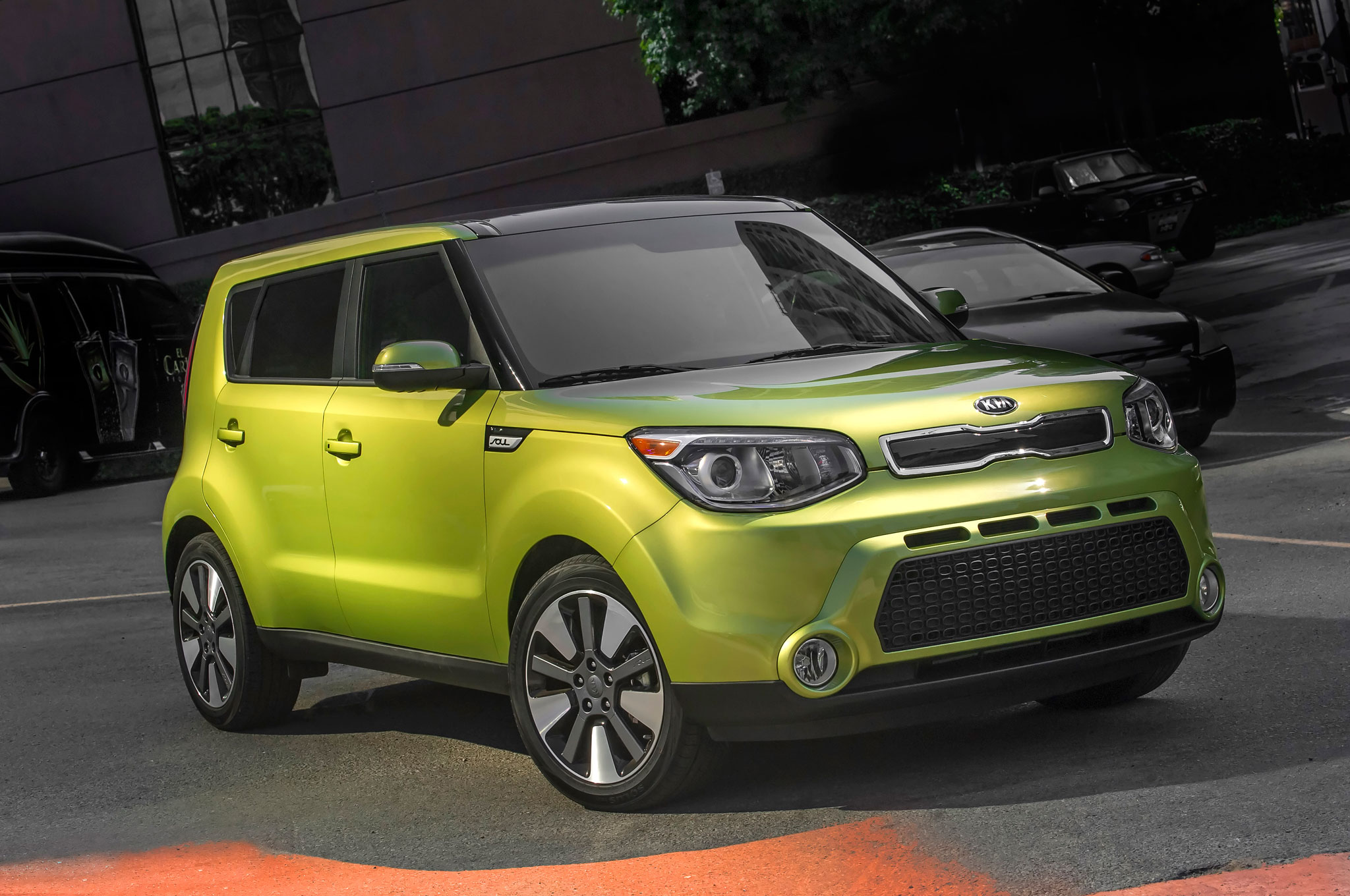 nhtsa gives 2014 kia soul 5 star safety rating automobile magazine. Black Bedroom Furniture Sets. Home Design Ideas