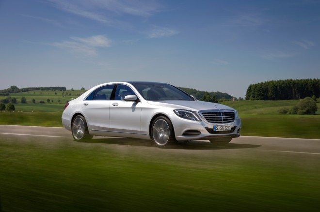 2014 Mercedes Benz S550 Front Three Quarter In Motion 021 660x438
