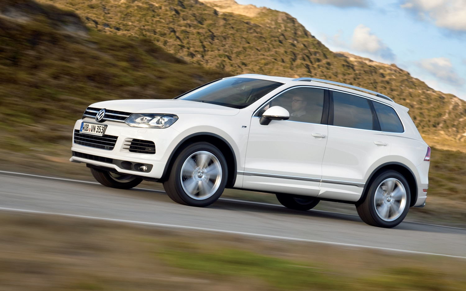 2014 volkswagen touareg x special edition priced at 57 080. Black Bedroom Furniture Sets. Home Design Ideas