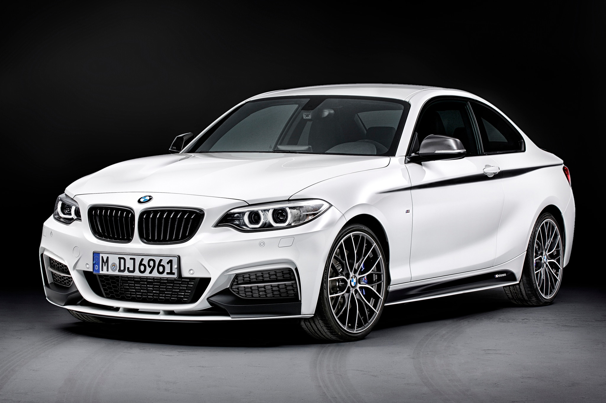 2014 Bmw 2 Series With M Parts Front Three Quarters1