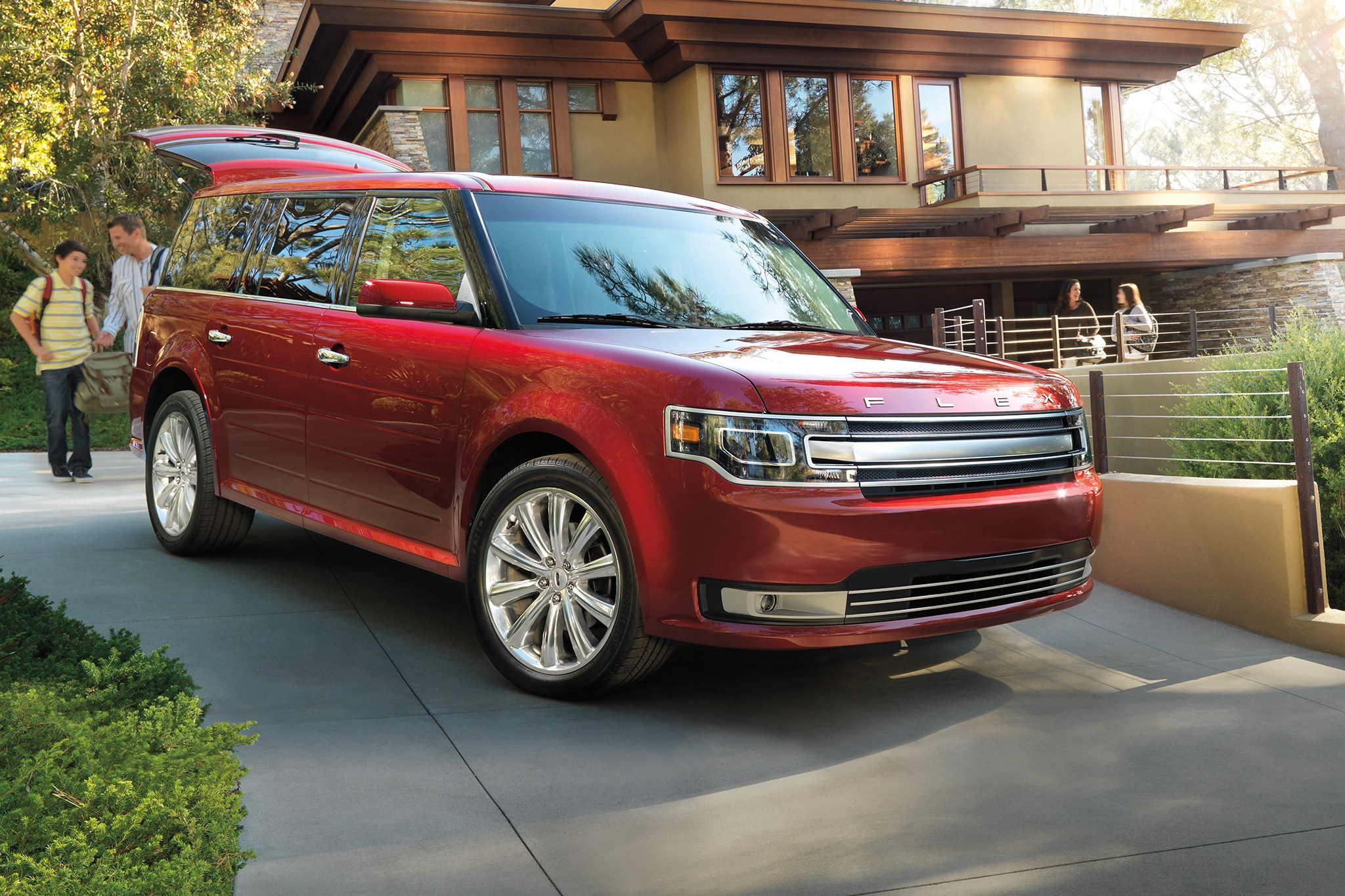2014 Ford Flex Three Quarters View1
