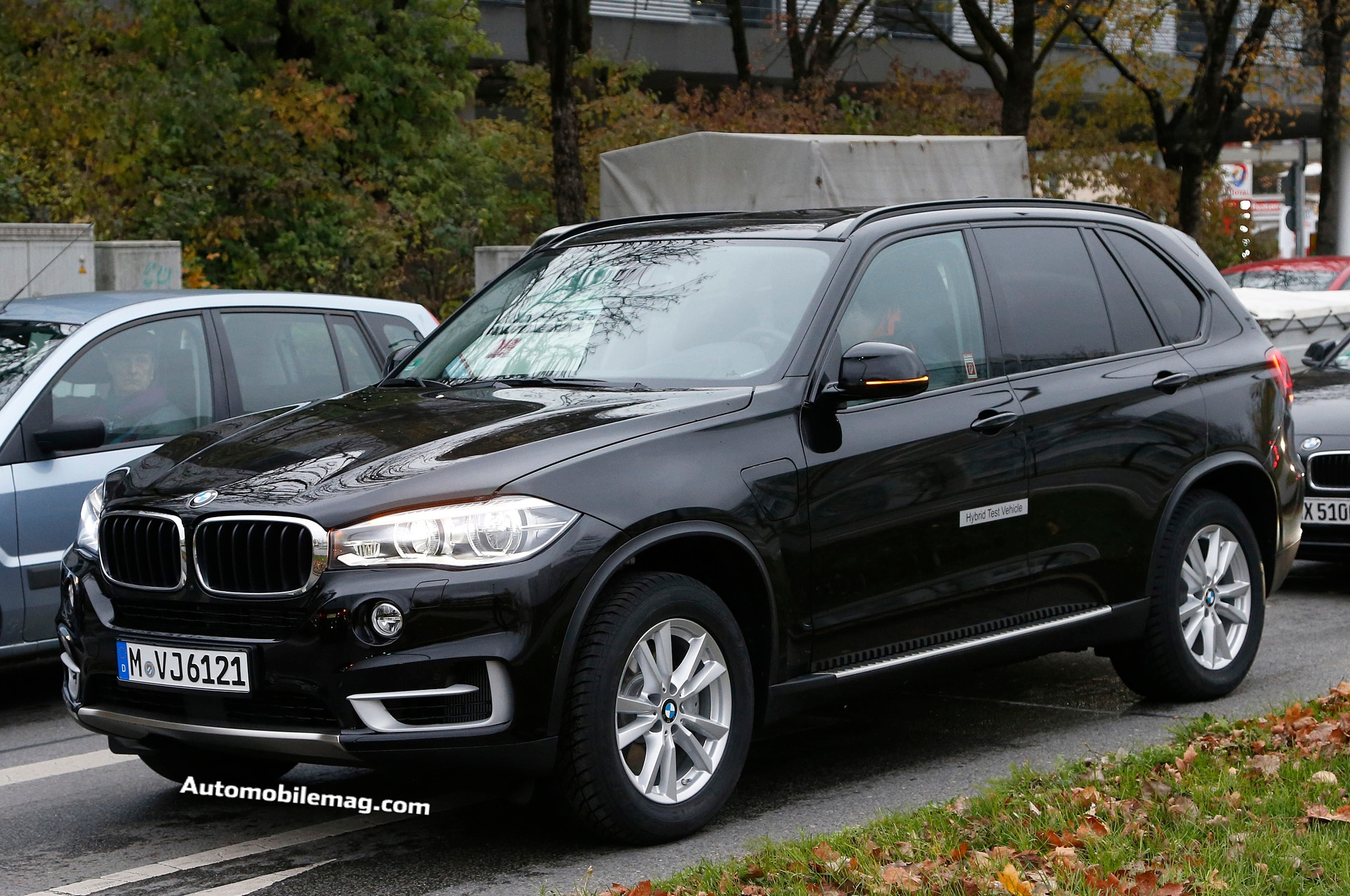 2015 BMW X5 Plug In EDrive Spy Front Three Quarter 1