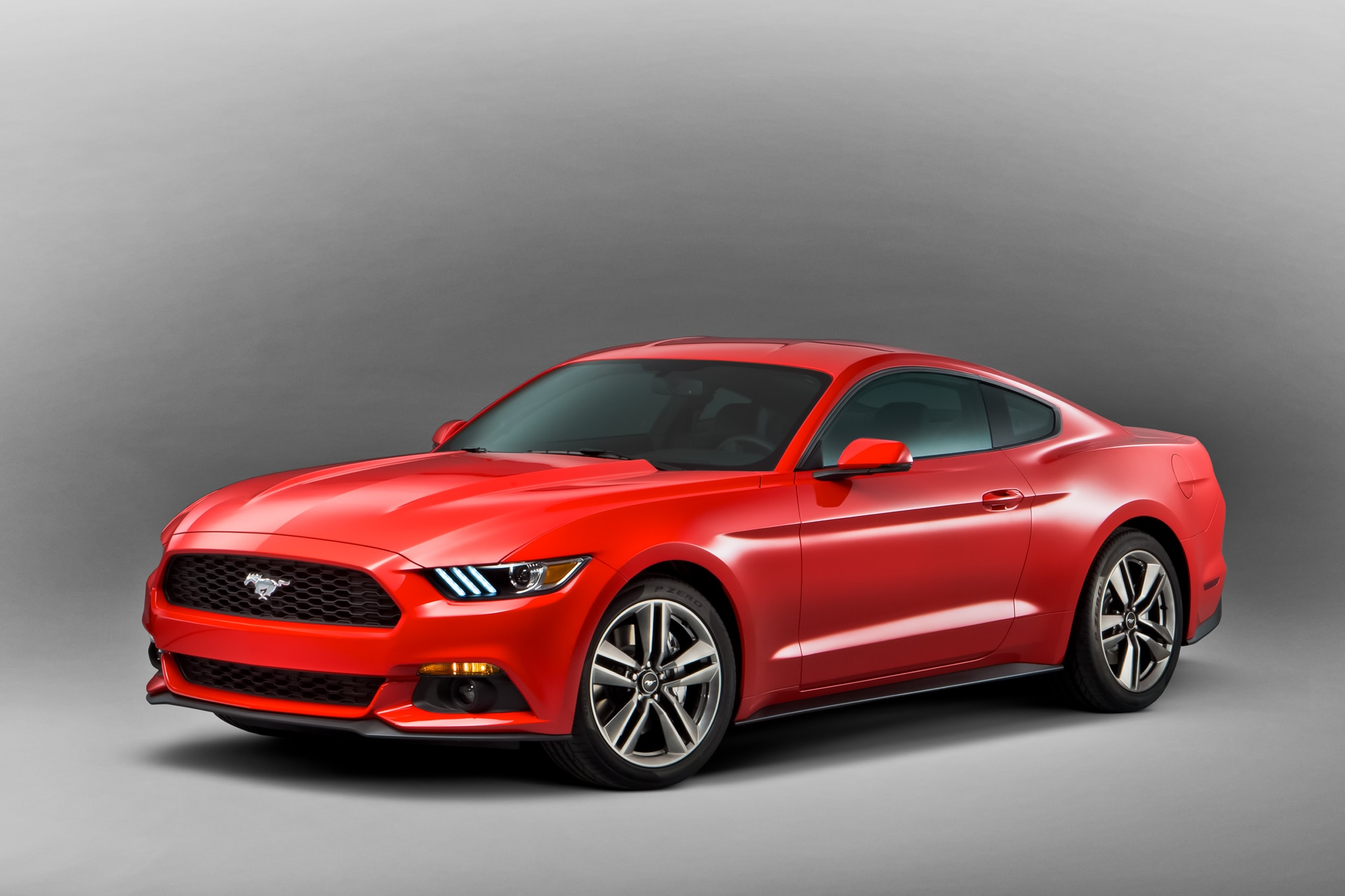 2015 Ford Mustang Front Left Side View 21