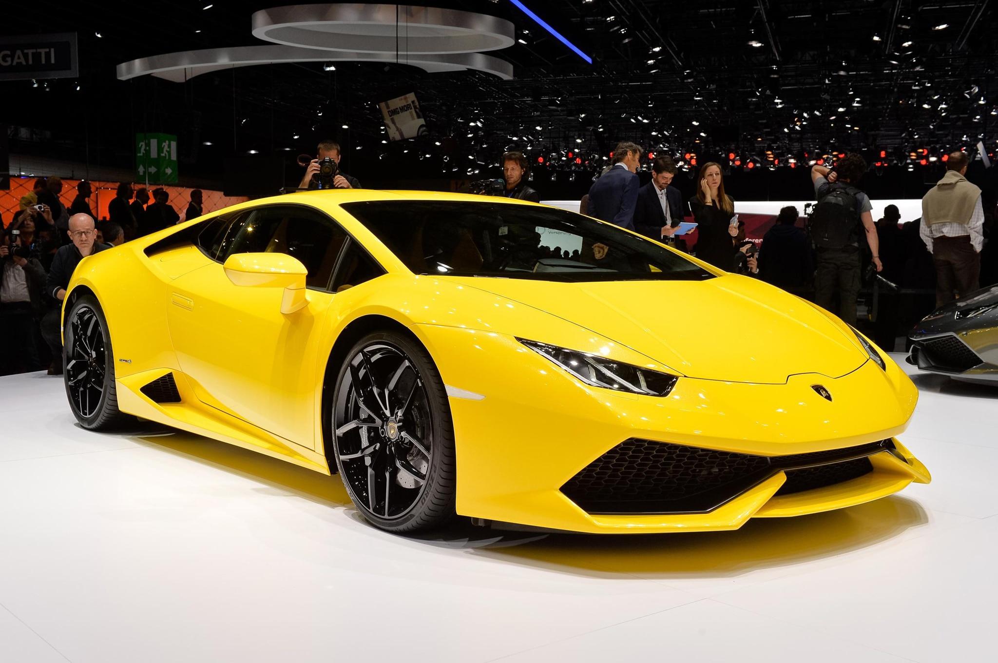 2015 Lamborghini Huracan Front Three Quarters 021