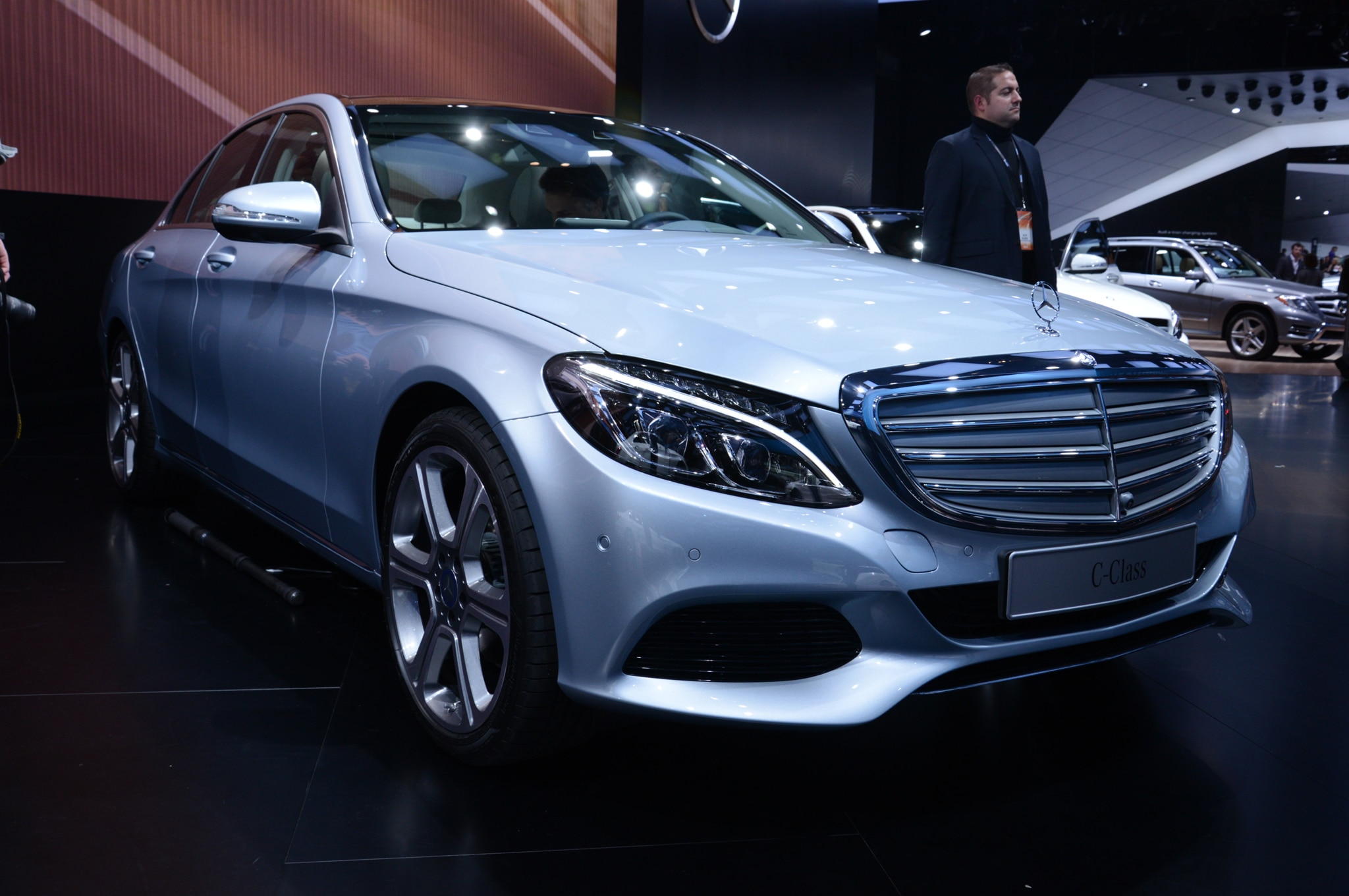2015 Mercedes Benz C Class Front View2